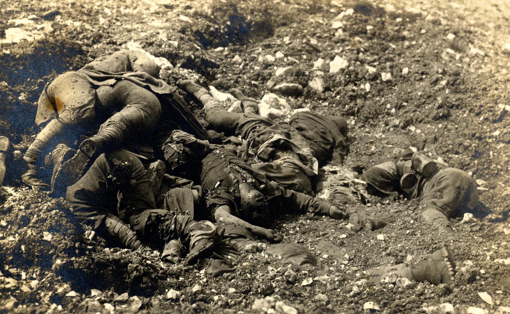 29 - Caduti a Col del Rosso nella battaglia del Solstizio del giugno 1918.JPG