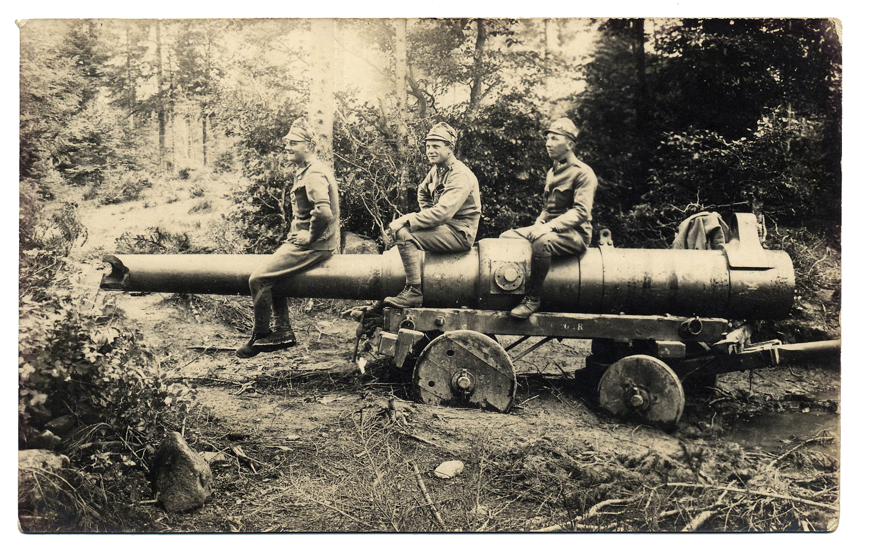 40 - cannone italiano abbandonato durantele giornate inioziali della Strafexpedition.JPG