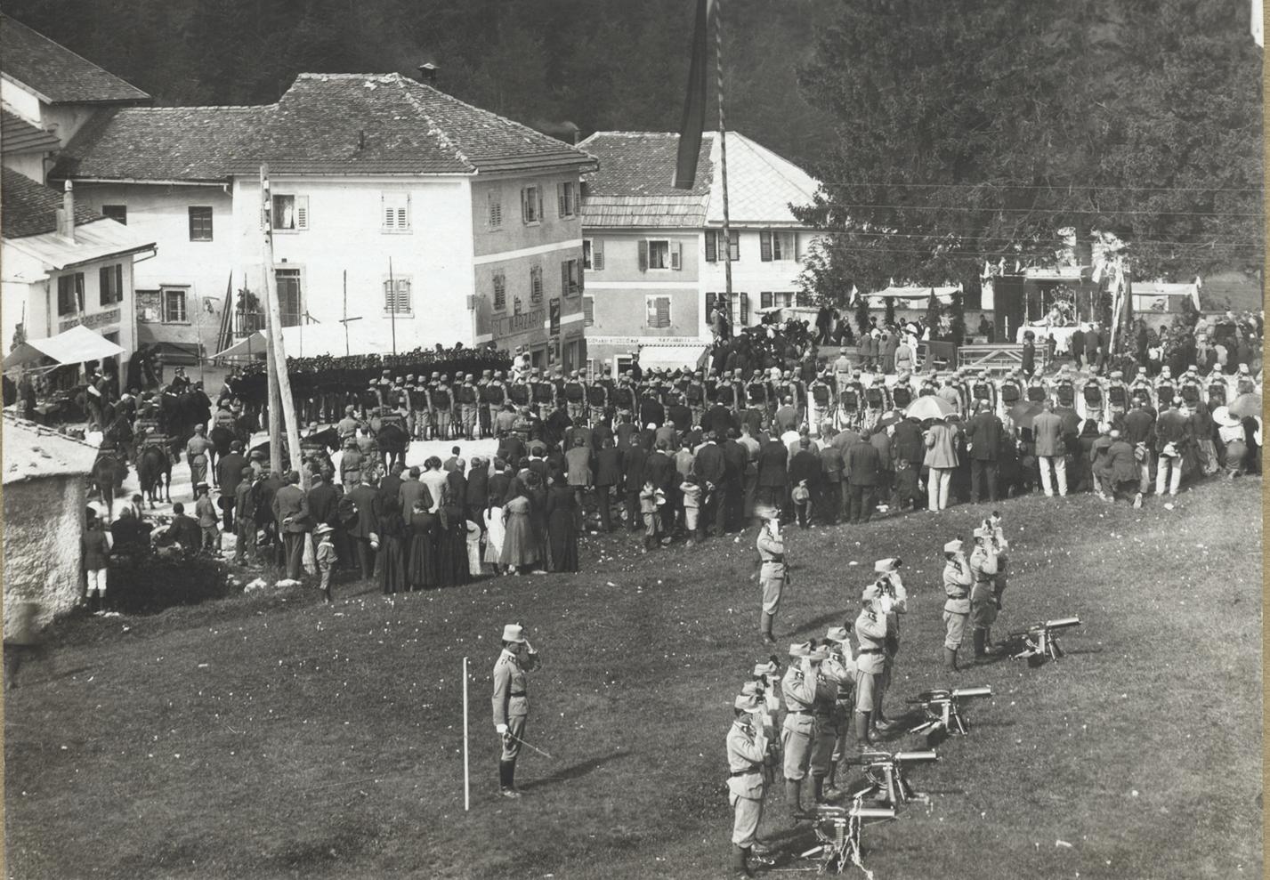 03 - Reparto dei Kaiserschützen a Lavarone.jpg