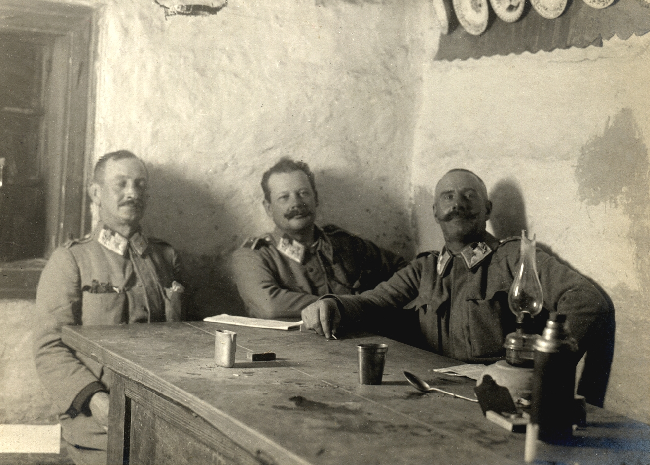 07 - Divenirono epici ufficiali dei Kaiserschützen qui nel 1914. da sinistra - Ferdinand Kafta,  Adolf Sloninka, Rudol fFlorio.JPG