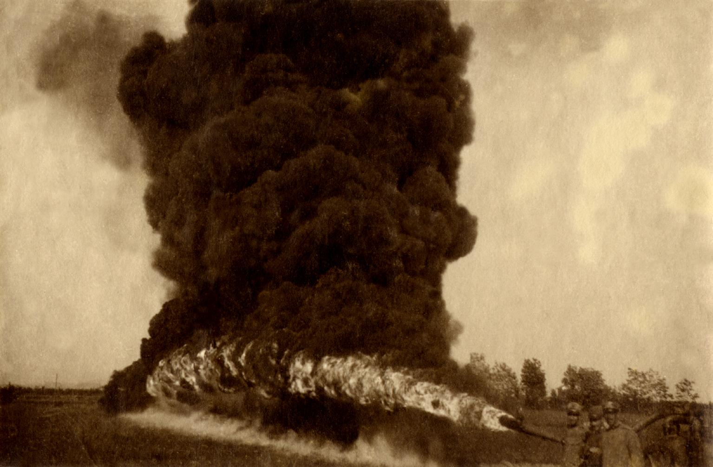 33 - Getto di lanciafiamme italiano durante una esercitazione.JPG