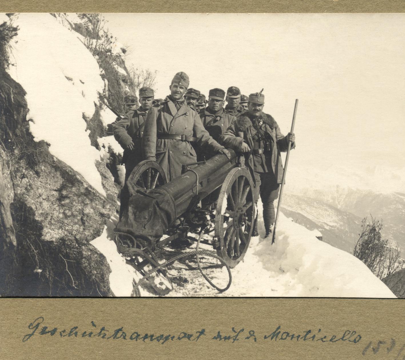05 - Kaiserschützen in montagna con pezzo di piccolo calibro.jpg
