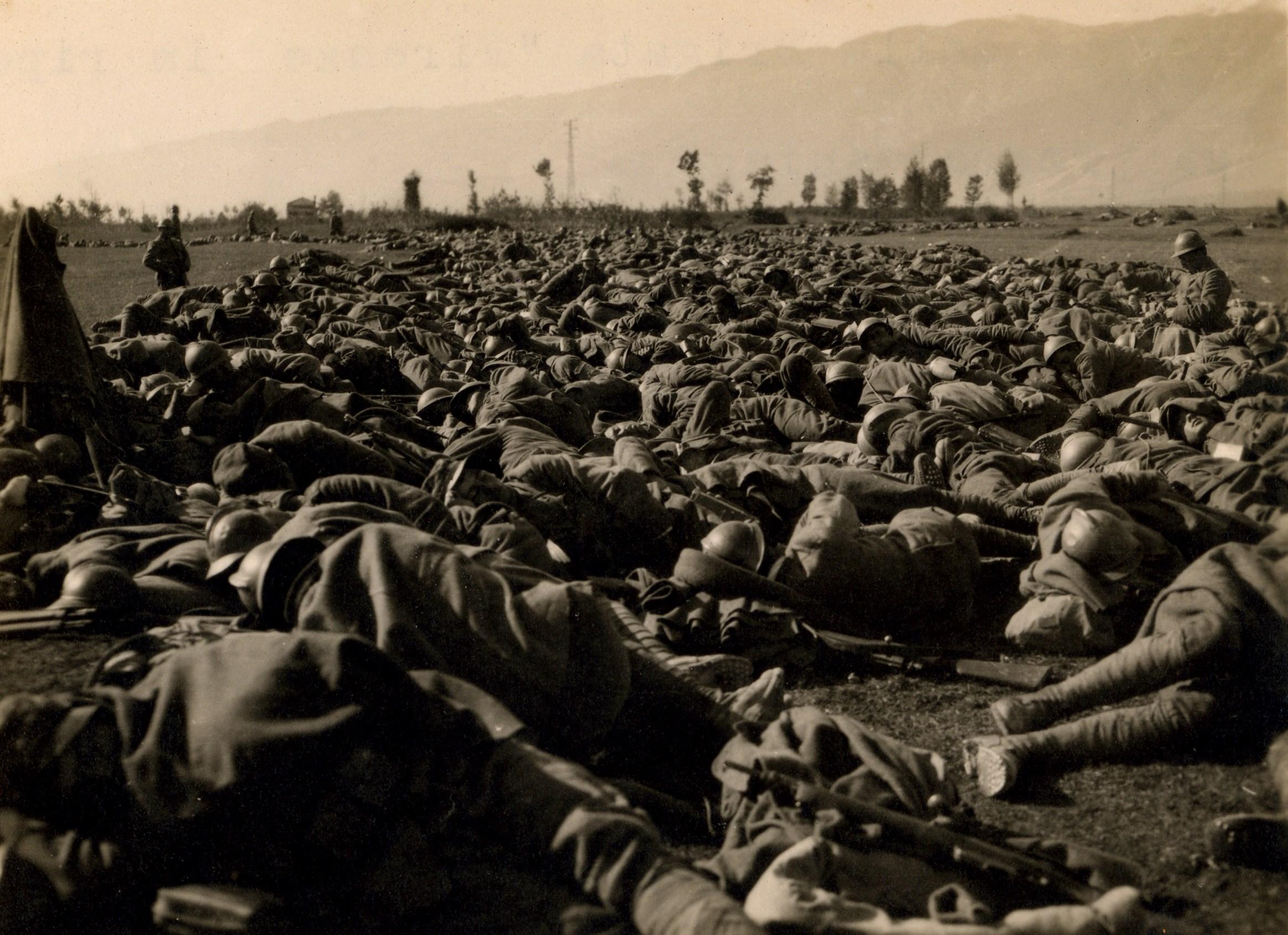 173 - Truppe della Brigata Firenze in riposo a Maniago - Copia.jpg