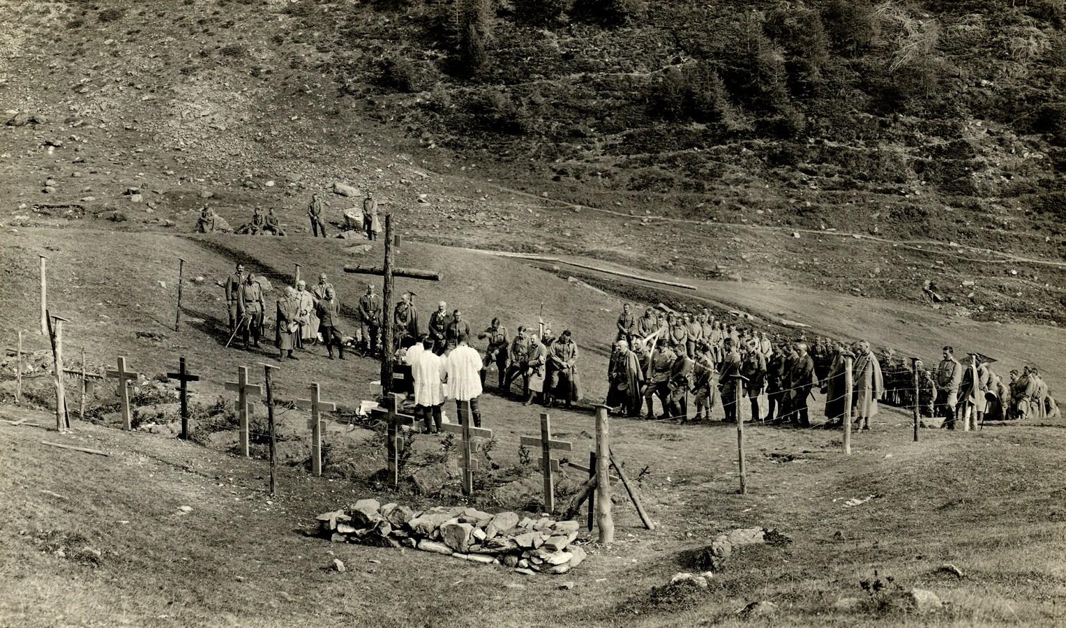 06 - Santa Messa al campo di un reparto dei Kaiserschützen - Copia.JPG