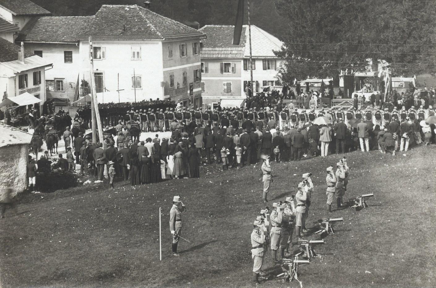03 - Reparto dei Kaiserschützen a Lavarone - Copia.jpg