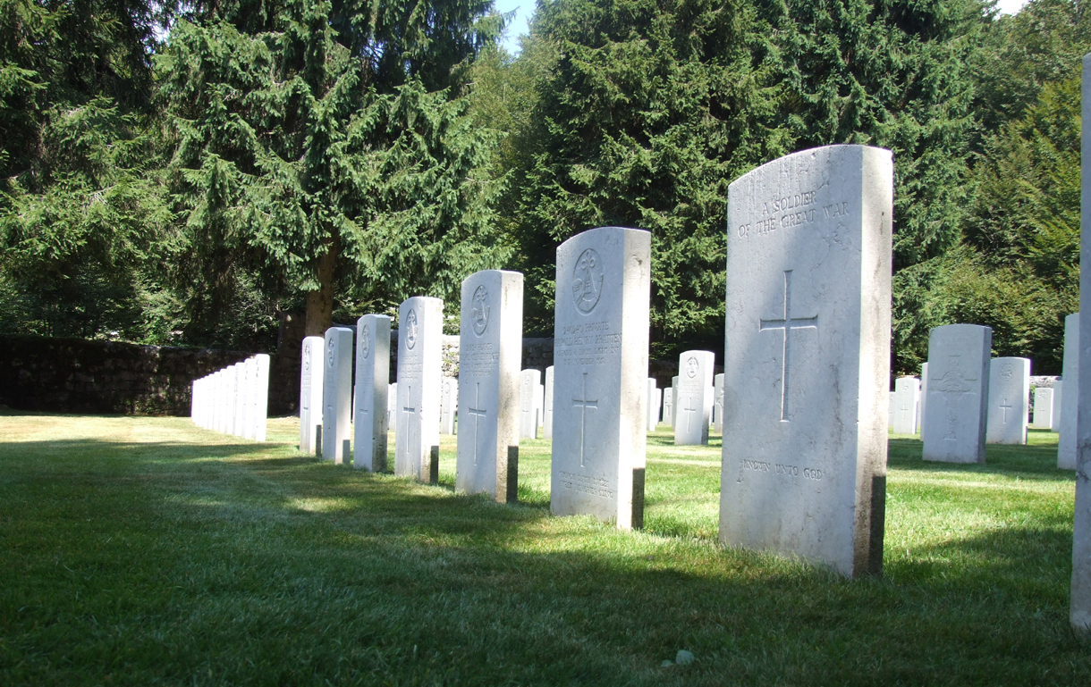 12 - Cimitero Britannico di Granezza foto 3.JPG