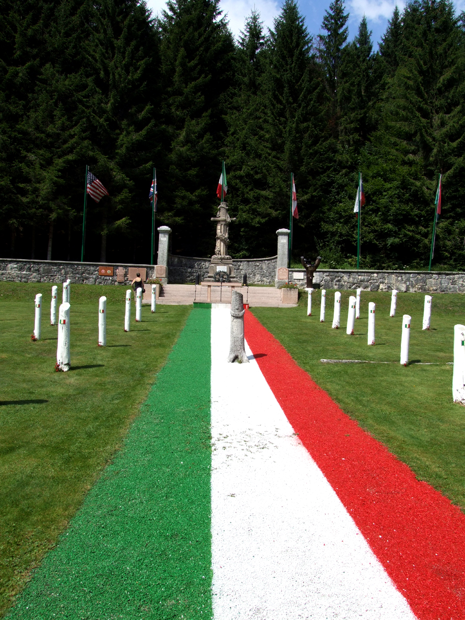 09 -  cimitero italiano di Magnaboschi.JPG