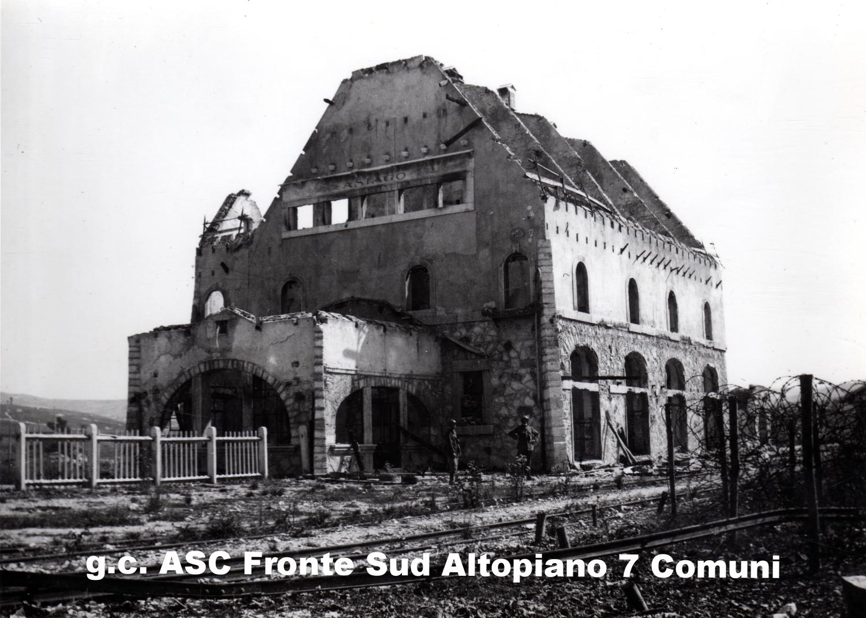 1702) - 1916-17 Asiago rovine della stazione.jpg