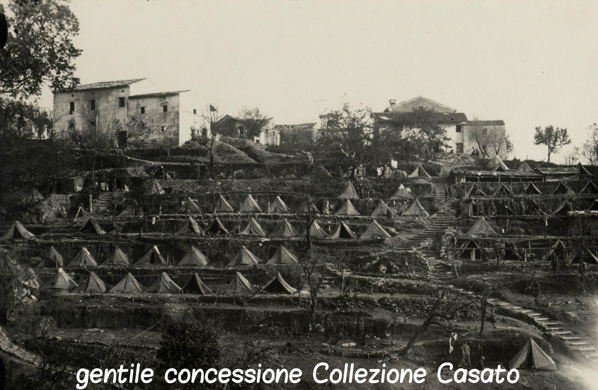 169 - attendamenti di un reparto di fanteria al riiparo di una collina - Copia.jpg