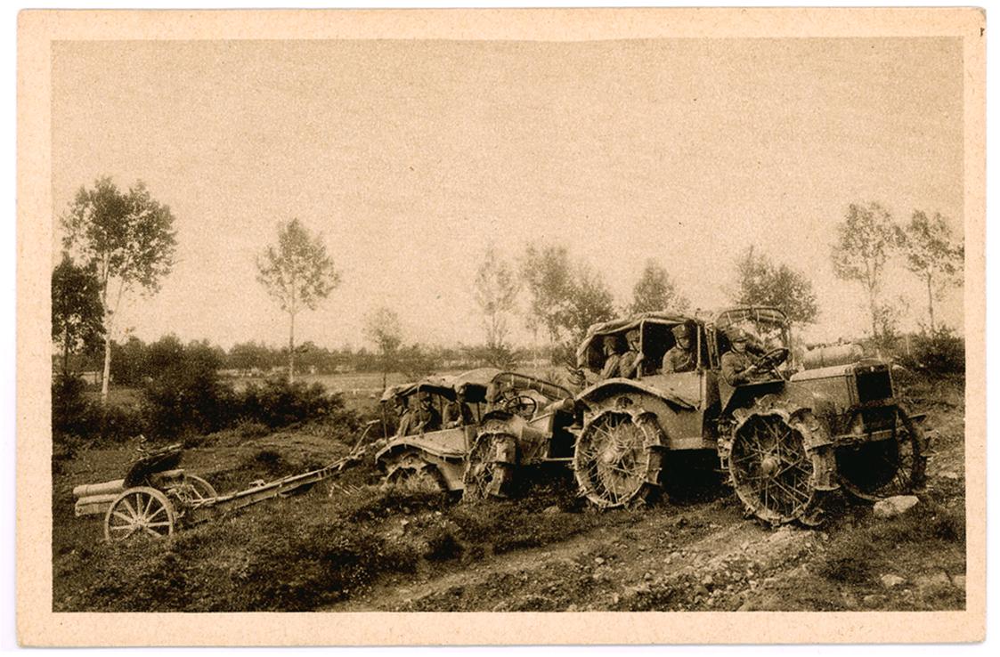 01 - Trattore Pavesi P4-100 in traino d'artiglieria.JPG