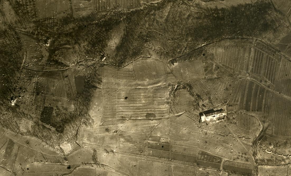 02 - campagna veneta devastata dal tiro dell'artiglieria.JPG