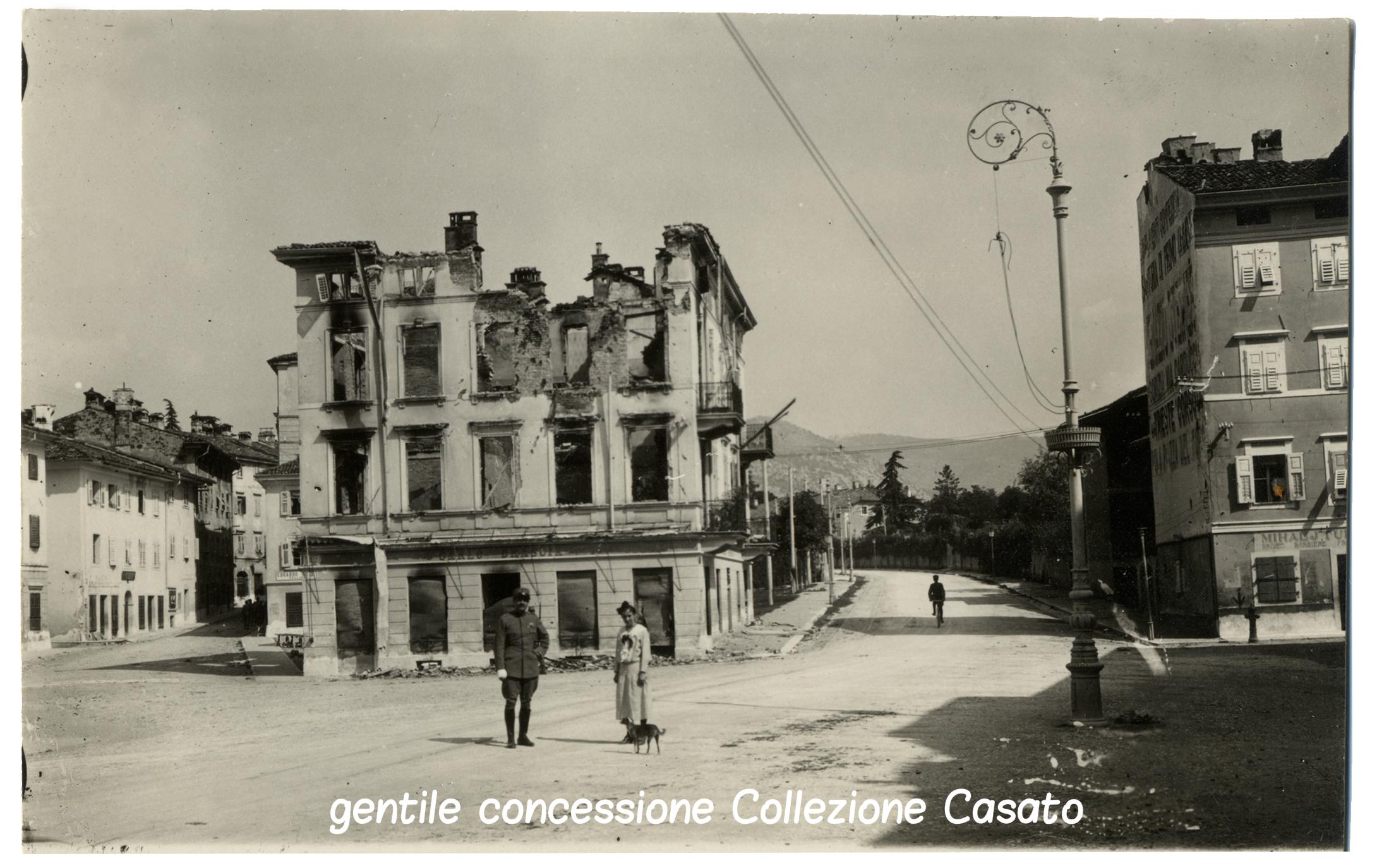 Centro di Gorizia devastato dalla guerra CASATO (c).jpg