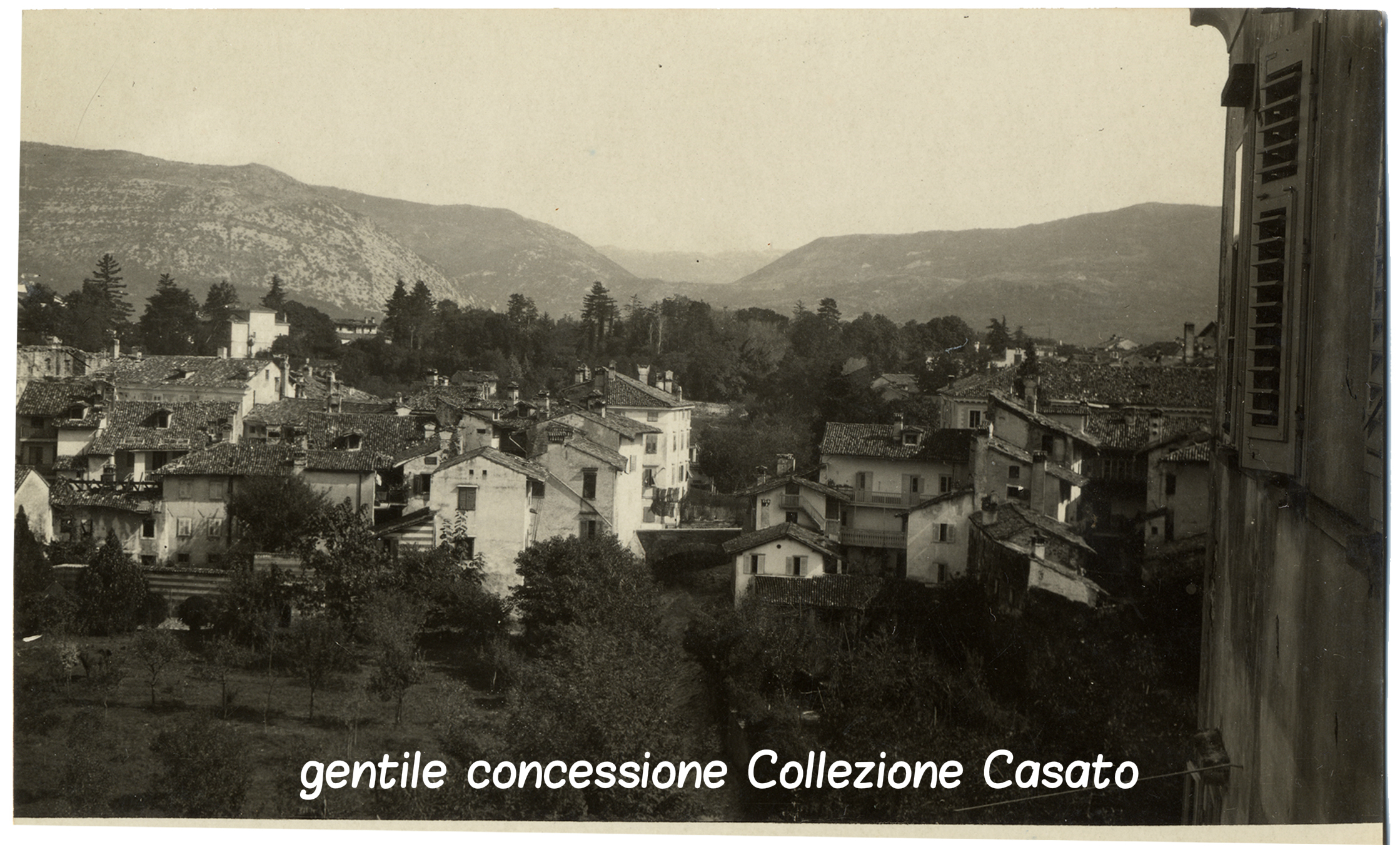 panoorama di Gorizia - vista da Notre Dame - col Sabotino Monte santo e san gabriele sett (c).jpg