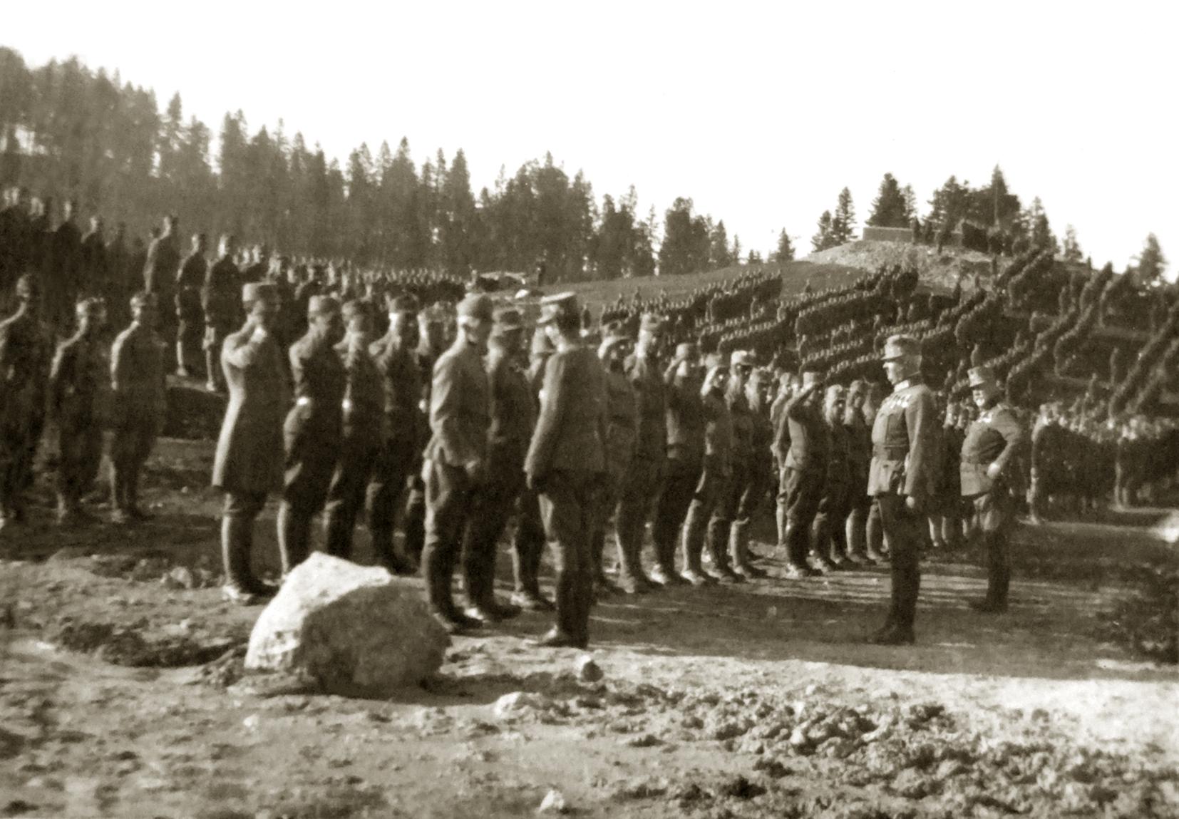 Rassegna dell'Imperatore Carlo a Monte Rover dopo la Battaglia dell'Ortigara