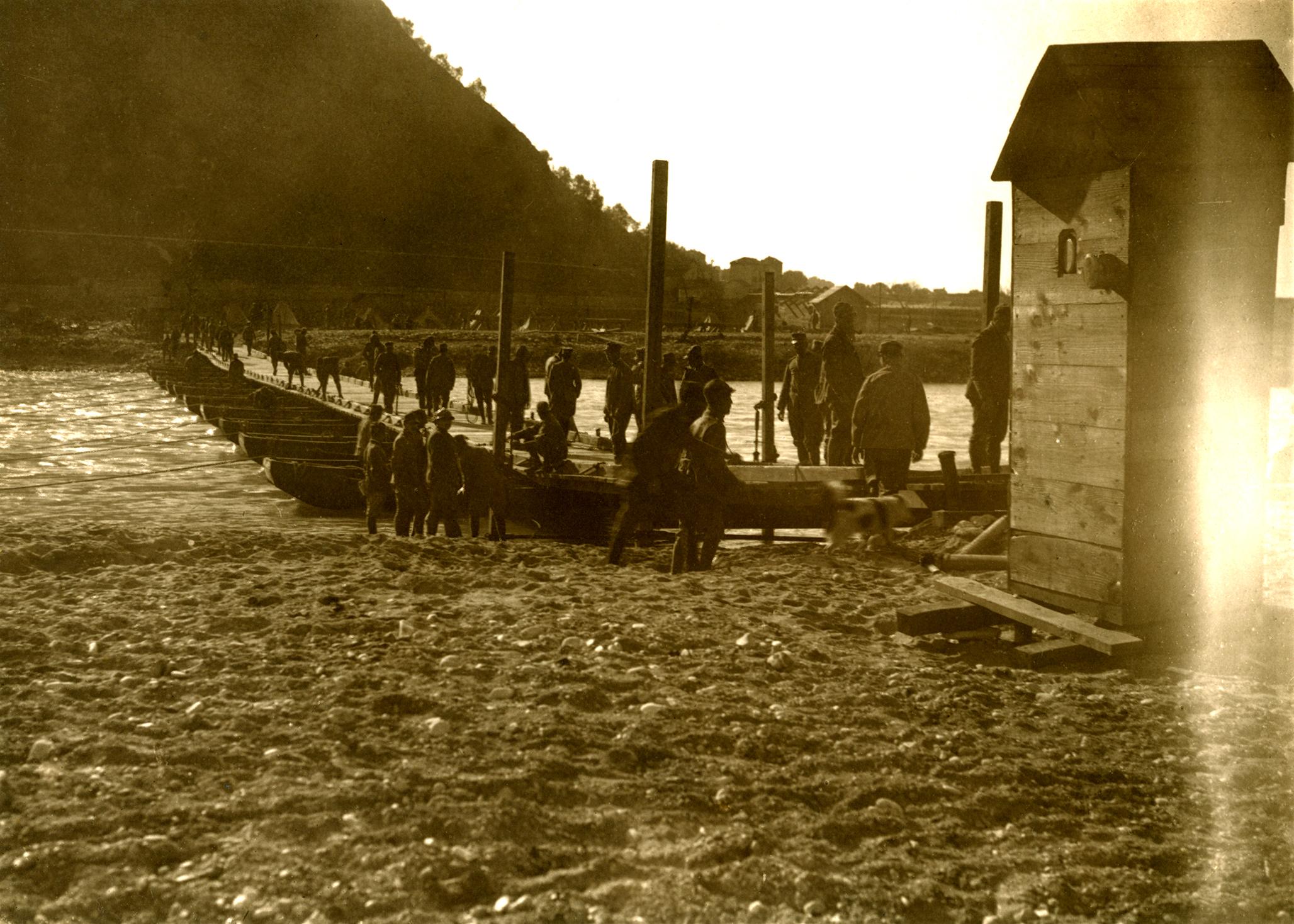 06 - passarella di barca sul Brenta a Campese - ASDM.JPG