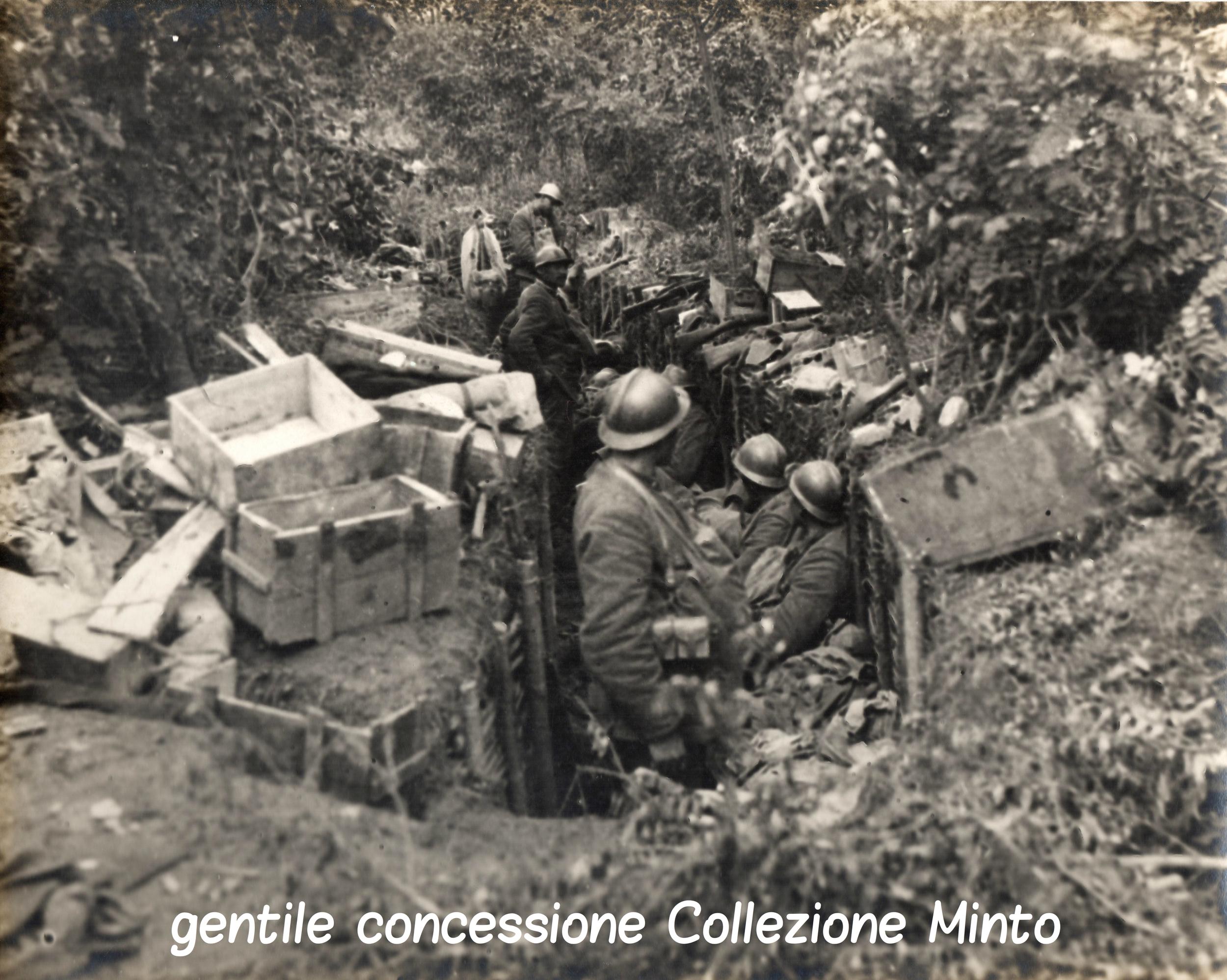 Soldati italiani trincerati sulMontello