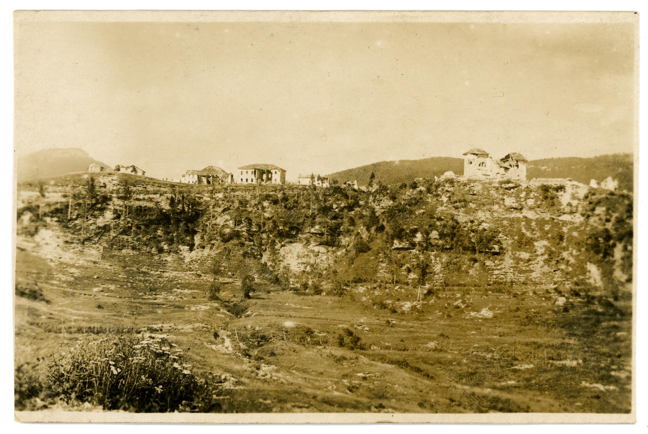 05 - case di Roana distrutte- ASDM.JPG