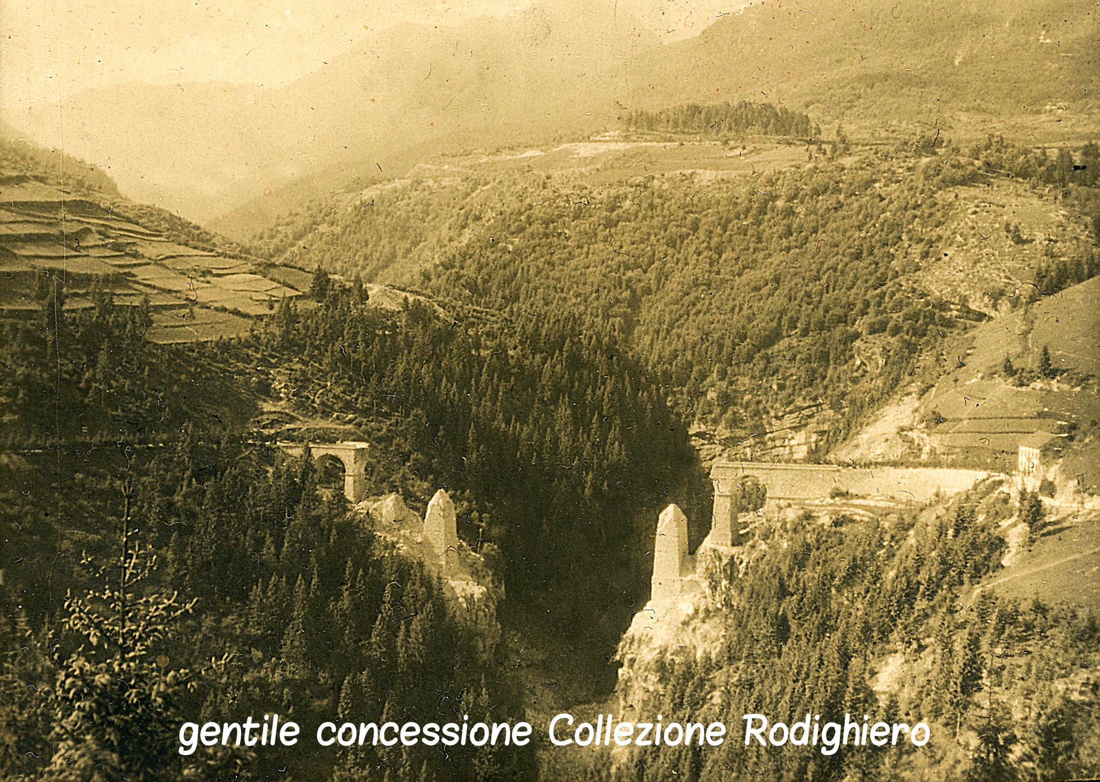 01 - il viadotto sulla Val D'Assa fatto saltare dagli itainai - (ASDM coll rodighiero) (c).jpg