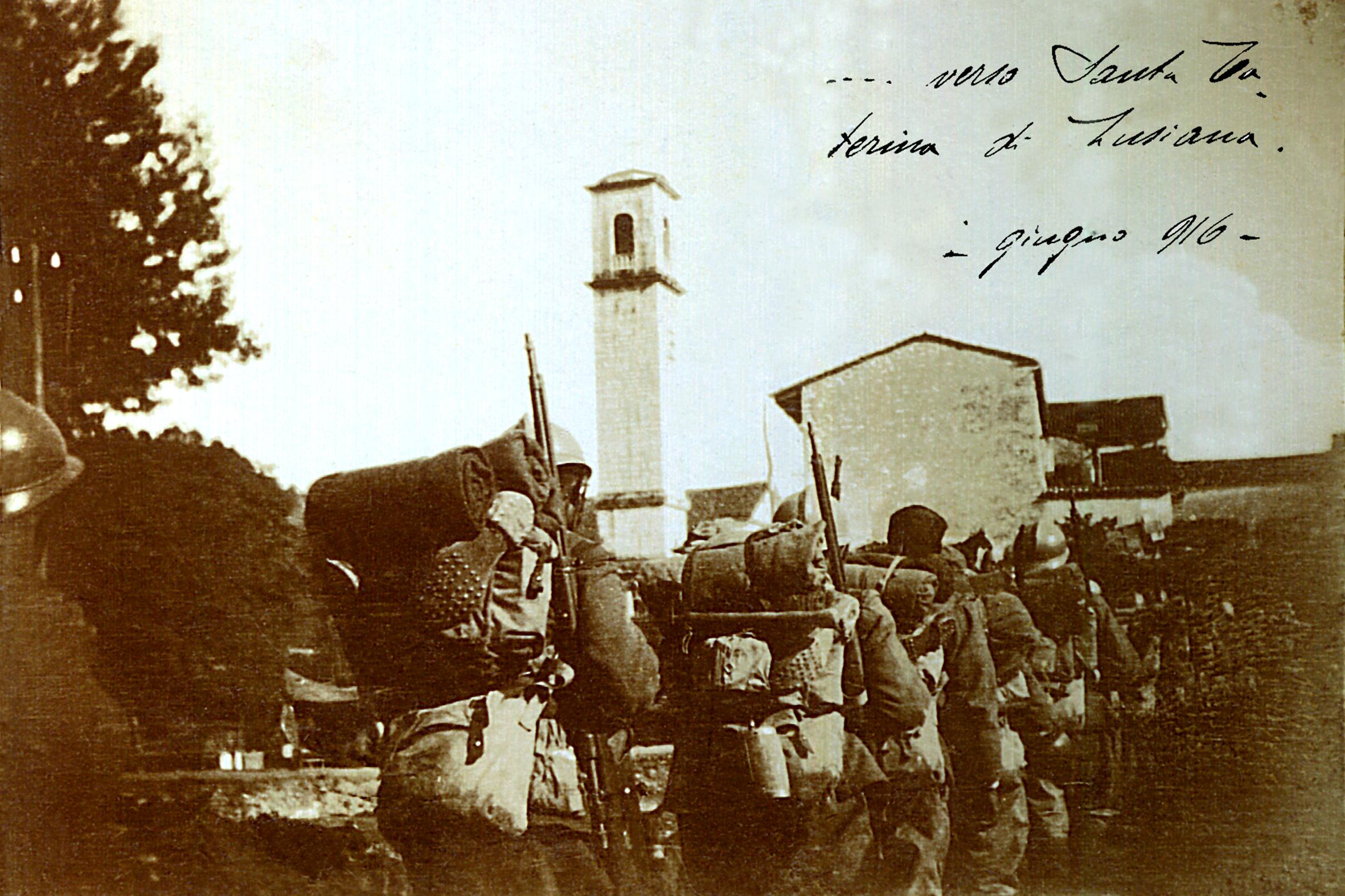 01 - reparto di fanteria italiana in transito - ASDM.JPG