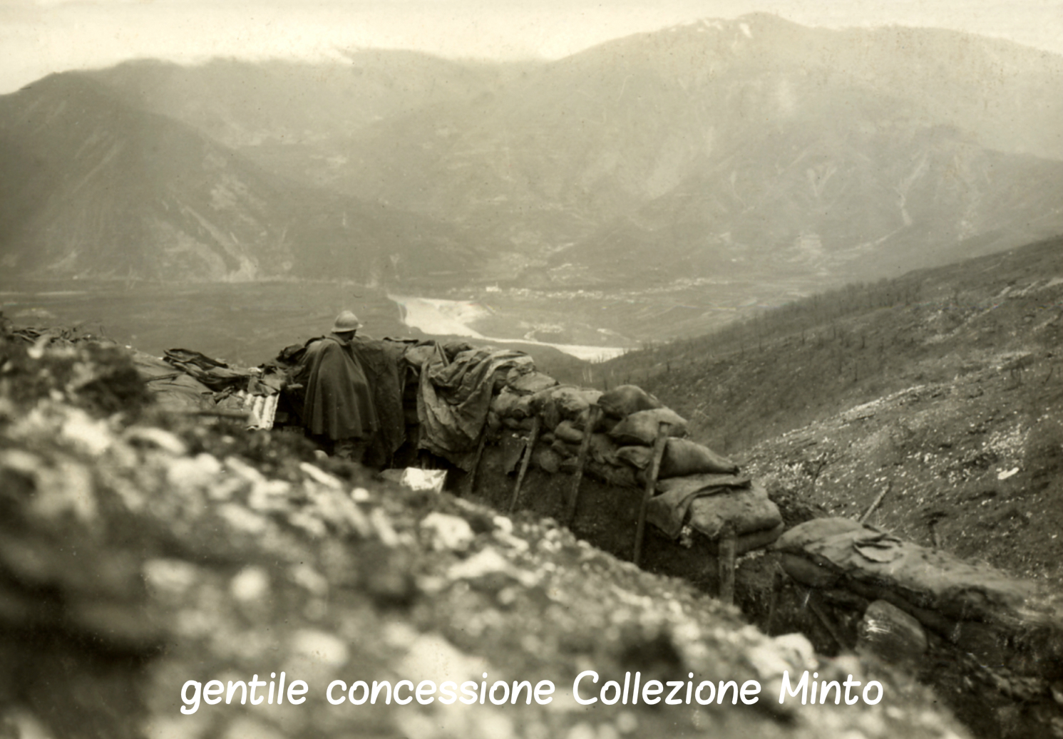 Prima linea - immagine scattata dal settore orientale del Grappa - Monfenera