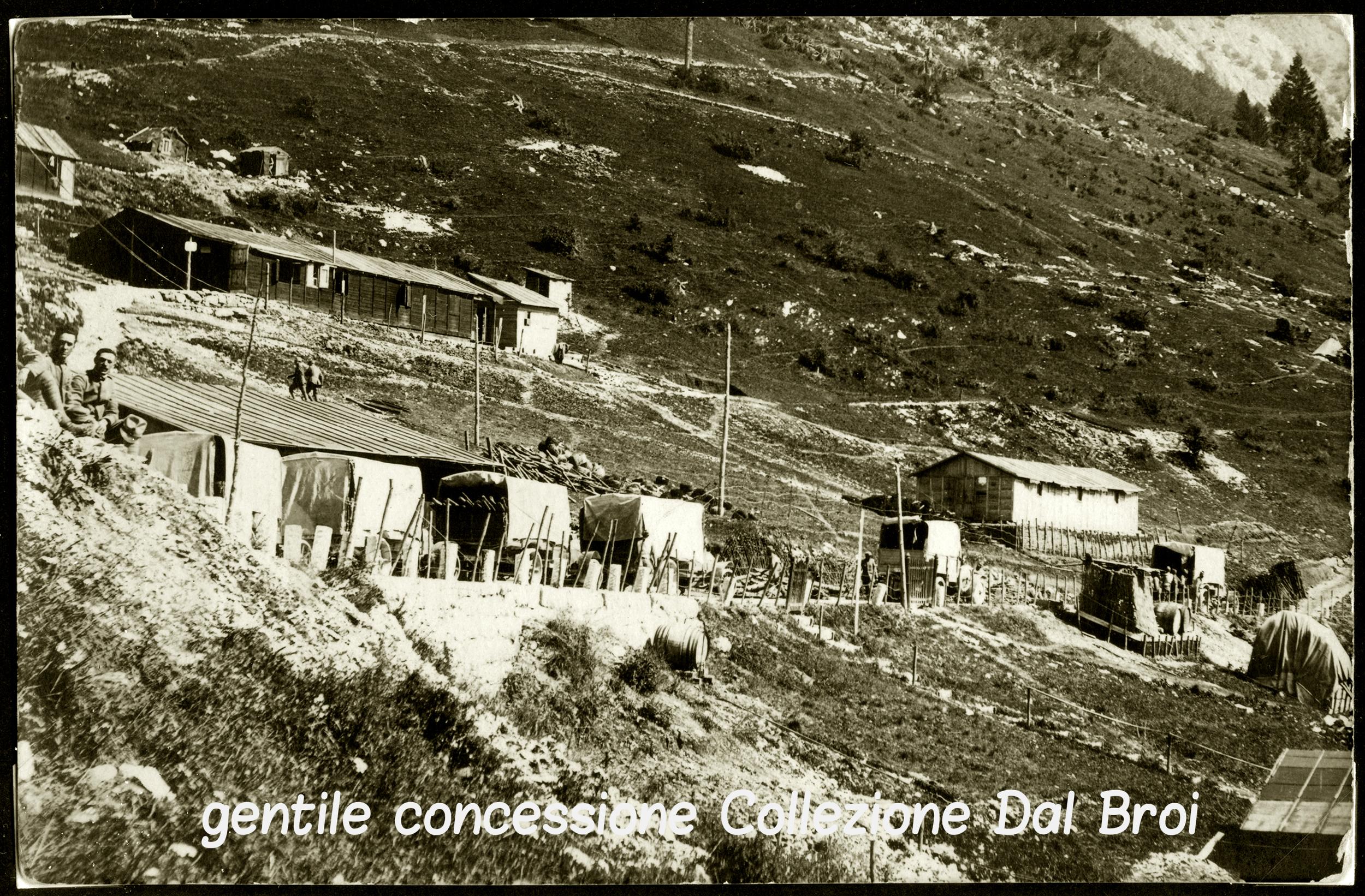 05 - Baracche nella parte alta di Val dei Rochi ai piedi del Fior - ASDM - coll (c).jpg