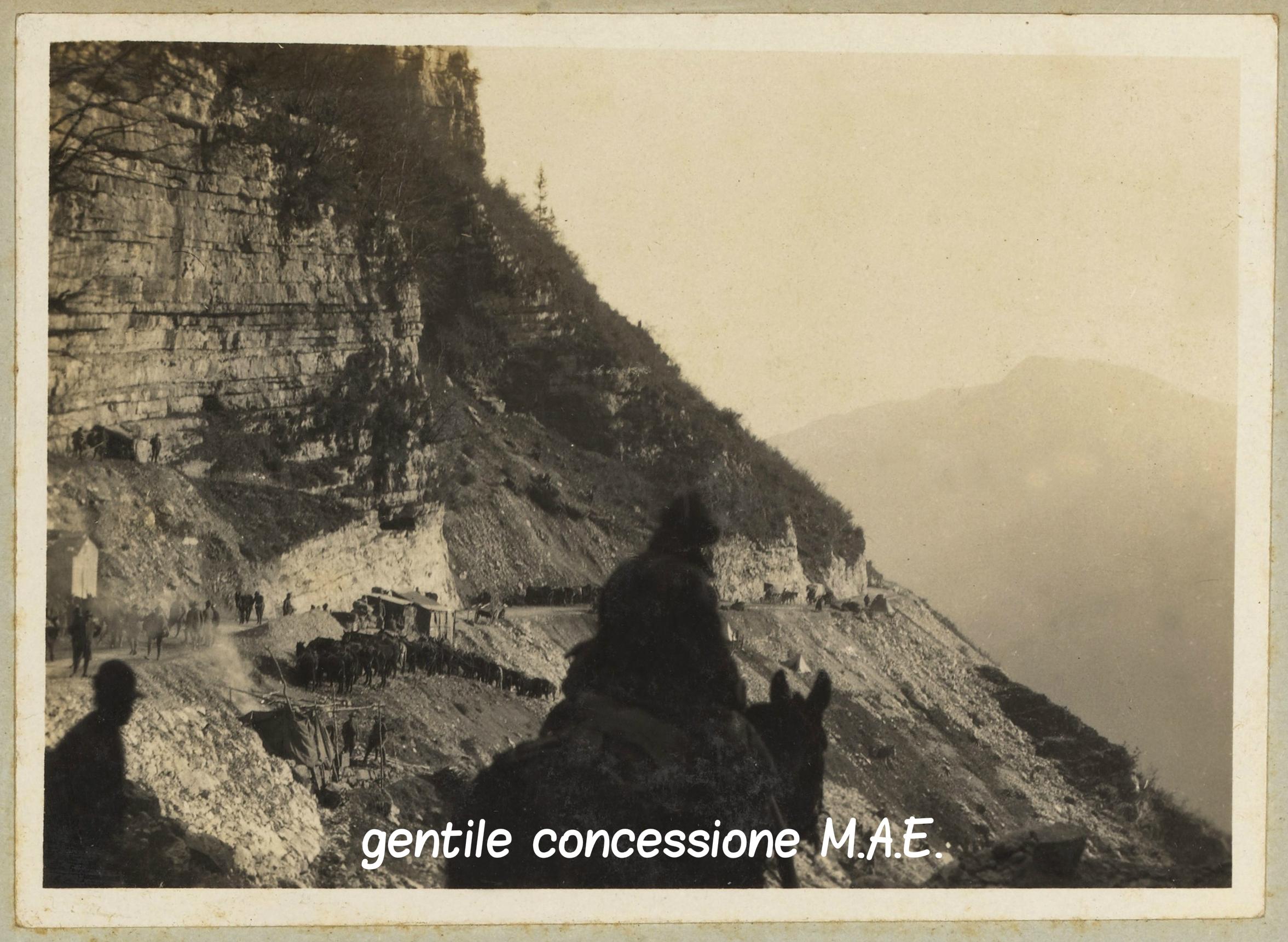 07 - Salmerie italiane lungo la rotabile Valstagna - Foza - Mae (c).jpg
