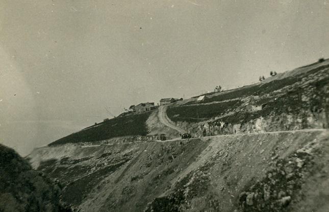 I lavori di costruzione della strada Col Serrail - Corno Sega - Grappa (marzo / maggio 1918)