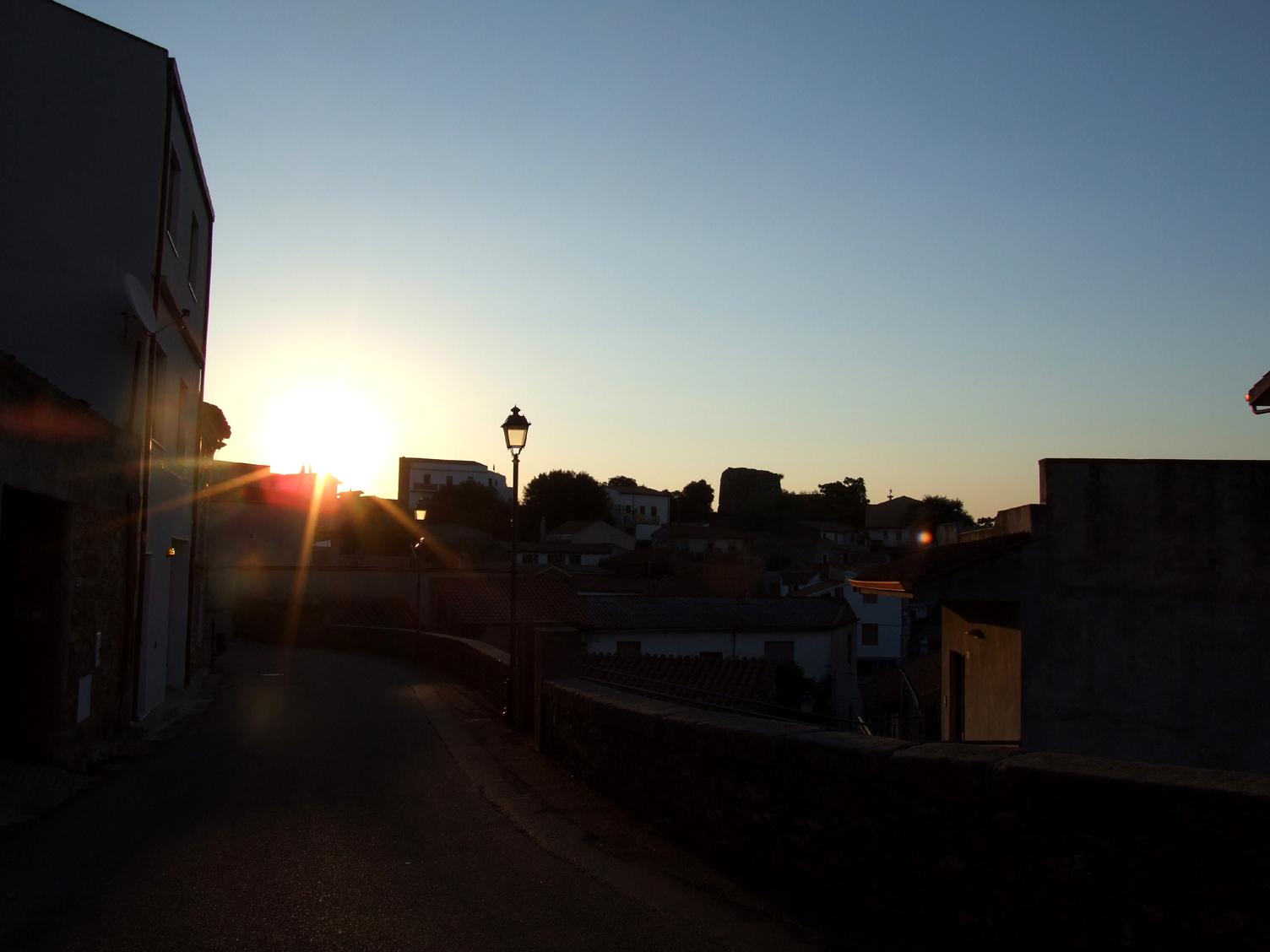 08 - l'alba ad Armungia.JPG