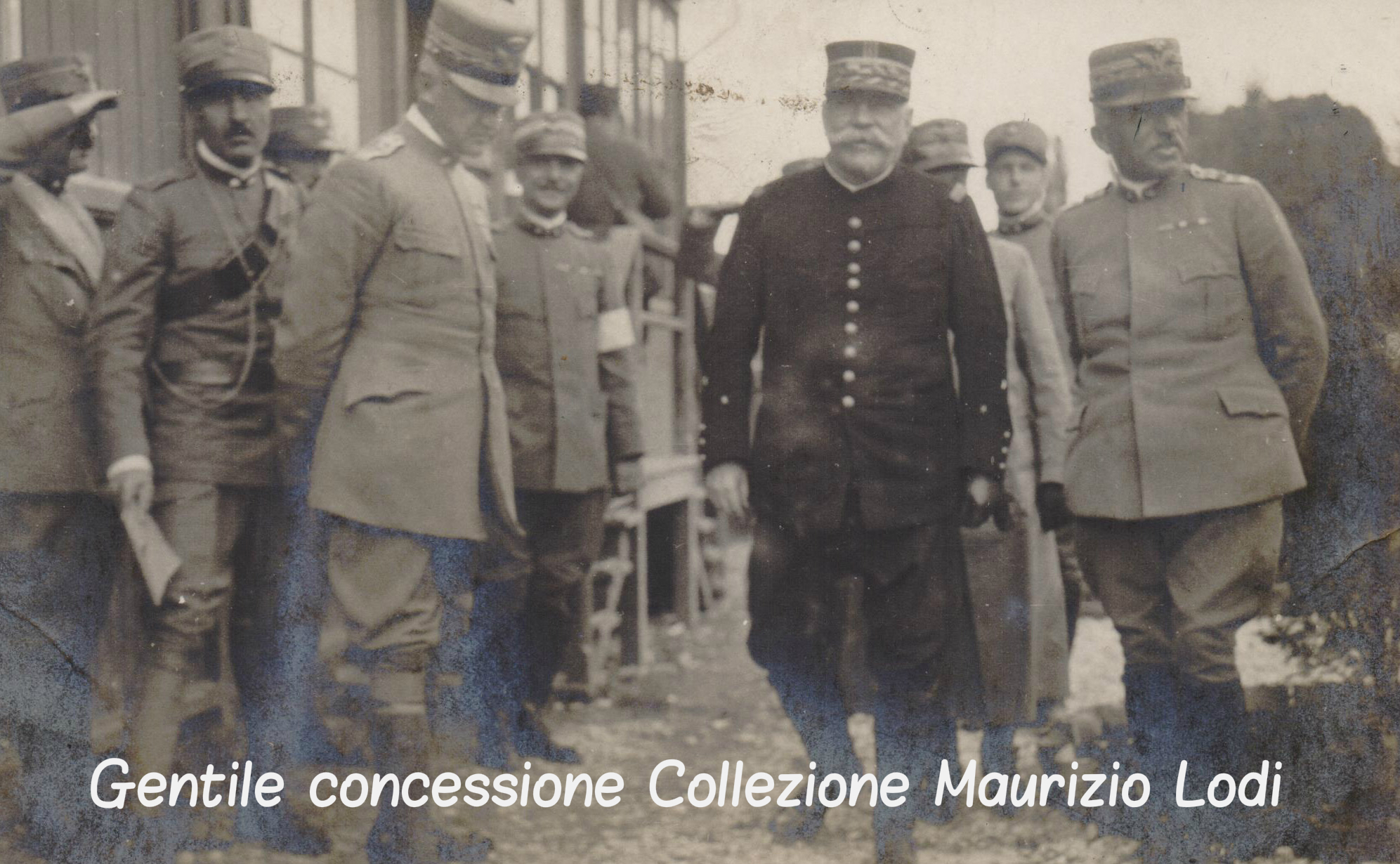 il Duca Aosta Joffre e Cadorna località e data imprecisate (c).jpg