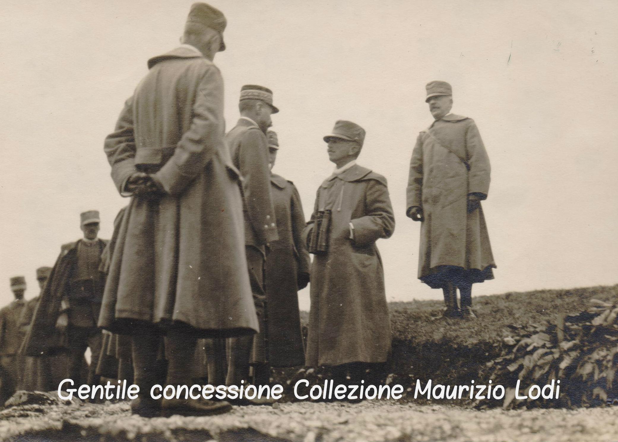 il Gen. Henri Gourad insieme al Re e al Duca d'Aosta durante una visita del fronte nella 3^Battaglia dell'Isonzo 1915 (c).jpg