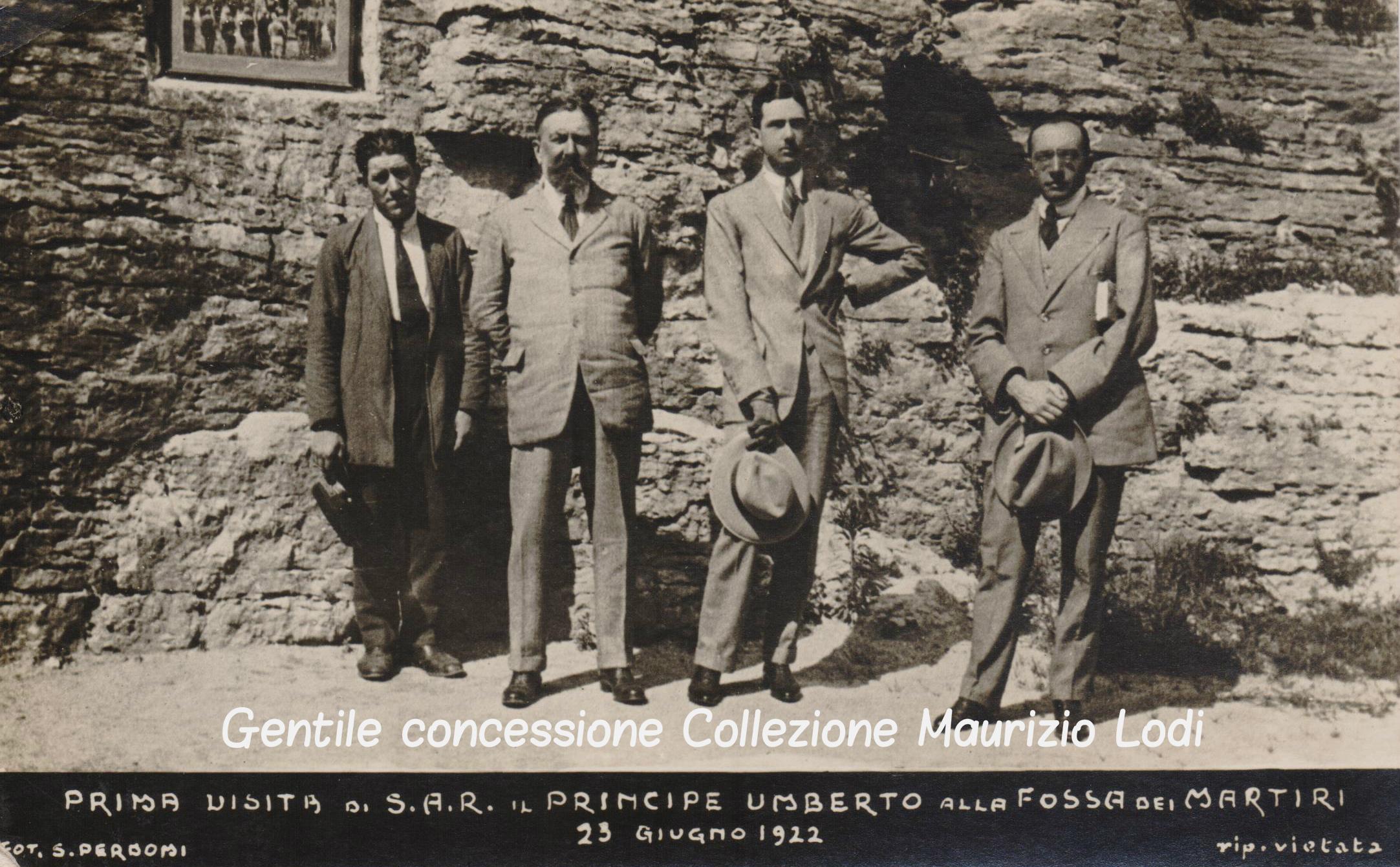 Principe Umberto nel 1922 alla Fossa dei Martiri Castello del Buonconsiglio di Trento (c).jpg