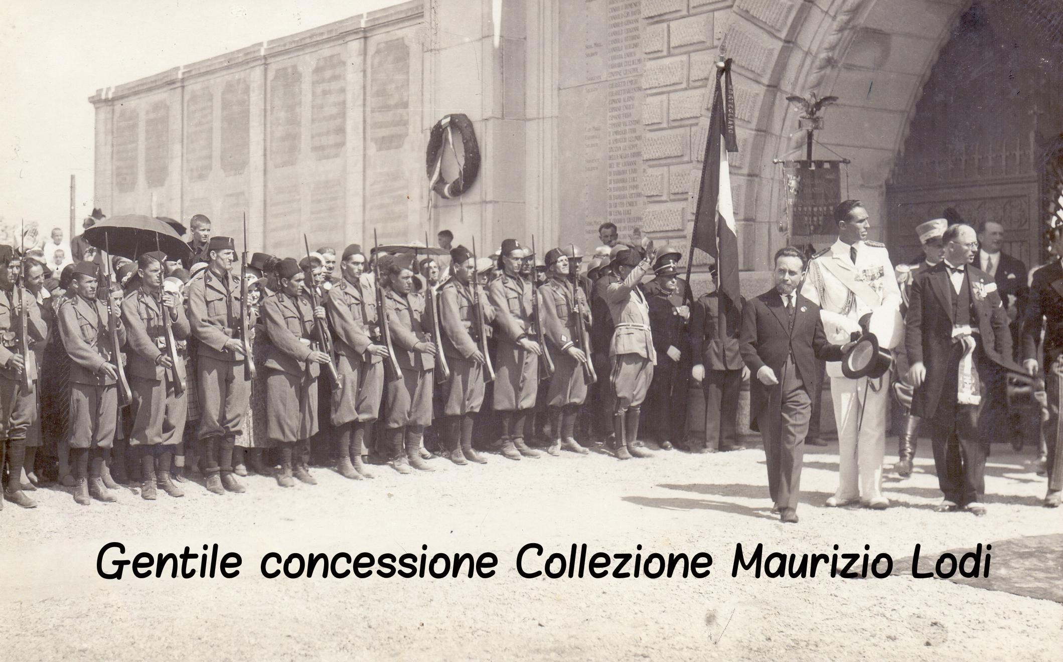 Mortegliano (Ud) 28 agosto 1932 S.A.R. Amedeo di Savoia Duca Aosta inaugurazione Monumento ai Caduti e del Parco della Rimembranza (c).jpg