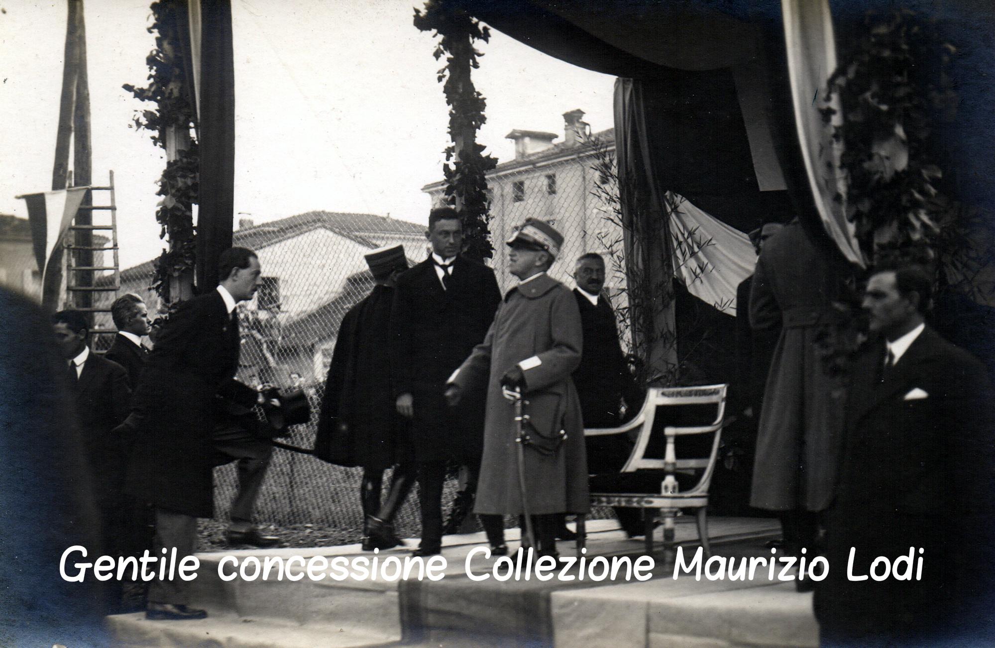 4 Modena 8 dicembre 1923 - Posa della prima pietra del Tempio Monumentale ai Caduti della Grande Guerra alla presenza di S (c).jpg