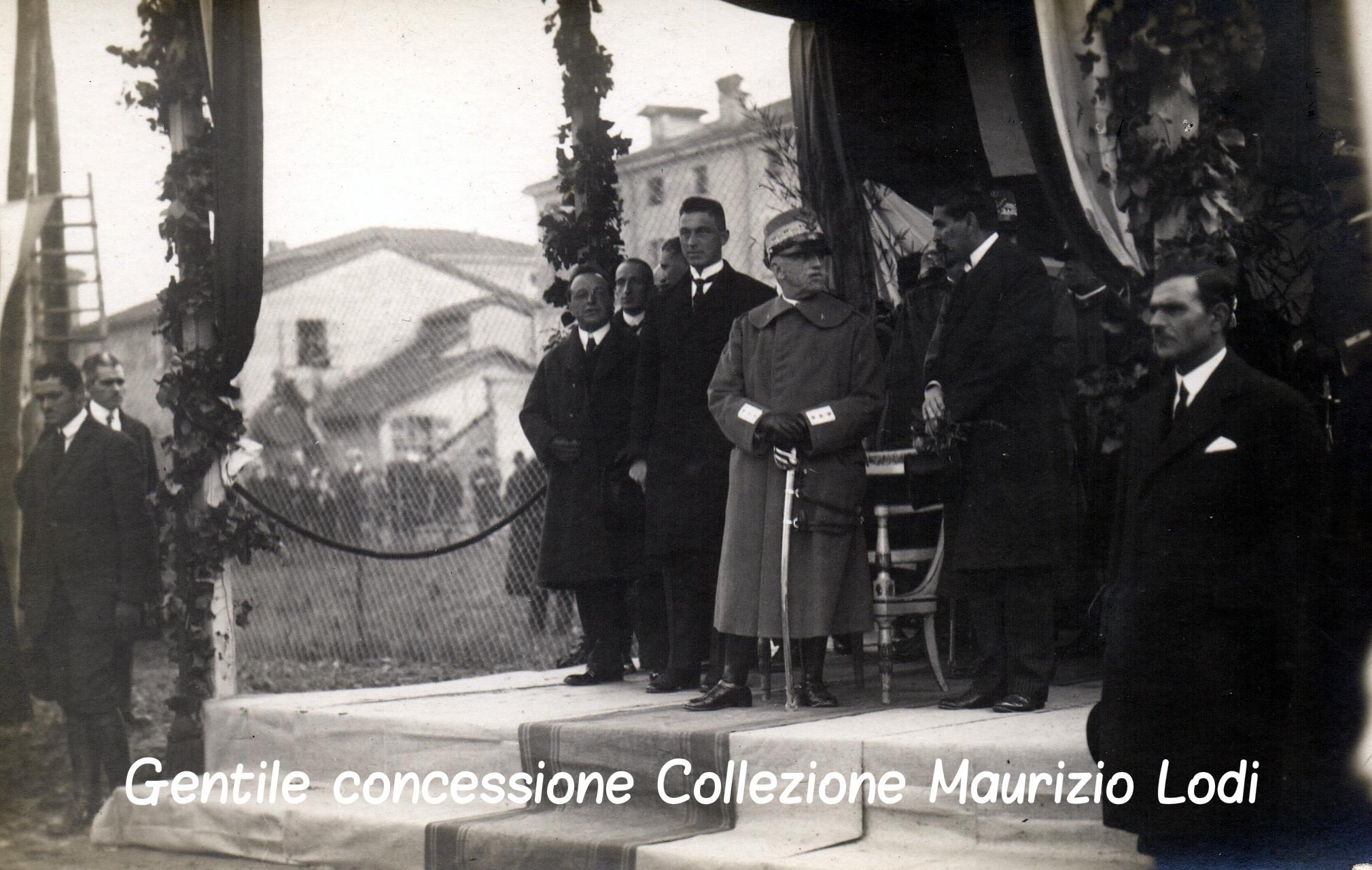 5 Modena 8 dicembre 1923 - Posa della prima pietra del Tempio Monumentale ai Caduti della Grande Guerra alla presenza di S (c).jpg