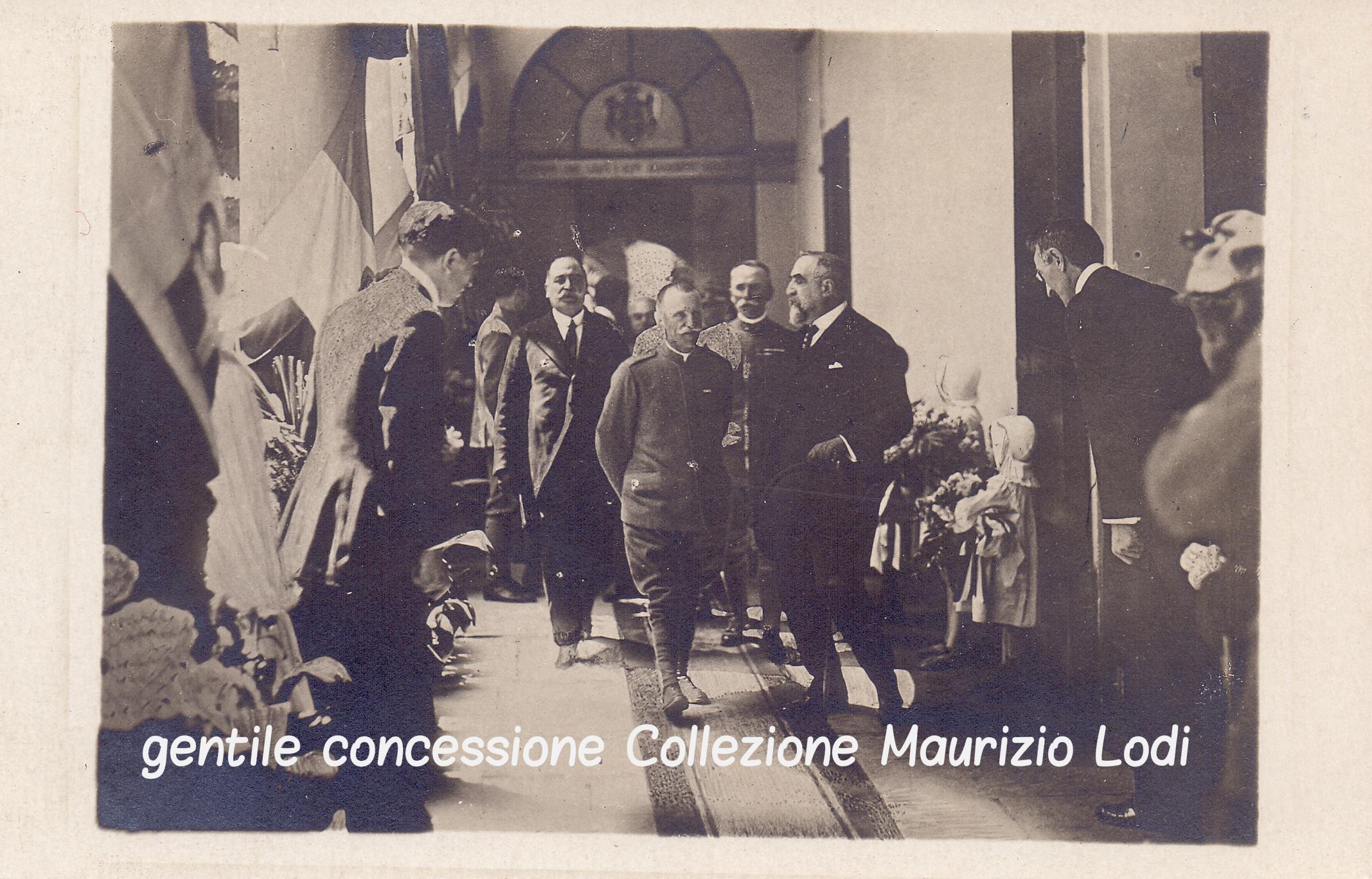 """Rara immagine della visita di Vittorio Emanuele III a Modena il 4 giugno 1918 presso l'Istituto Patronato Federato Figli del Popolo """"Vittorio Emanuele III"""""""