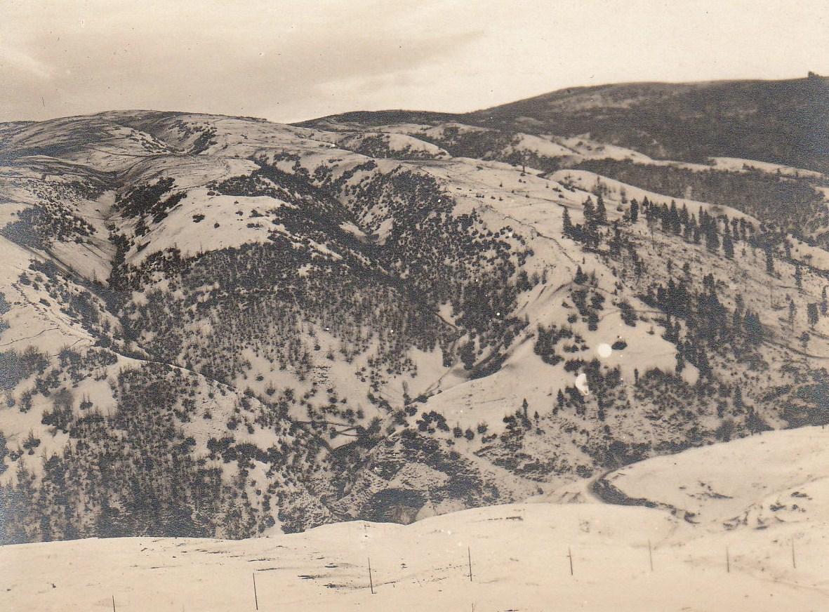 Il Col del Rosso innevato in una foto austroungarica