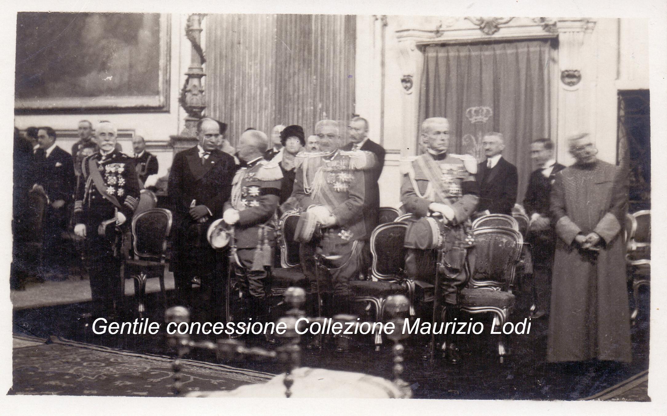 Roma 6 11 27 il IX ann vittoria in s maria degli angeli Re Diaz e Mussolini (C).jpg