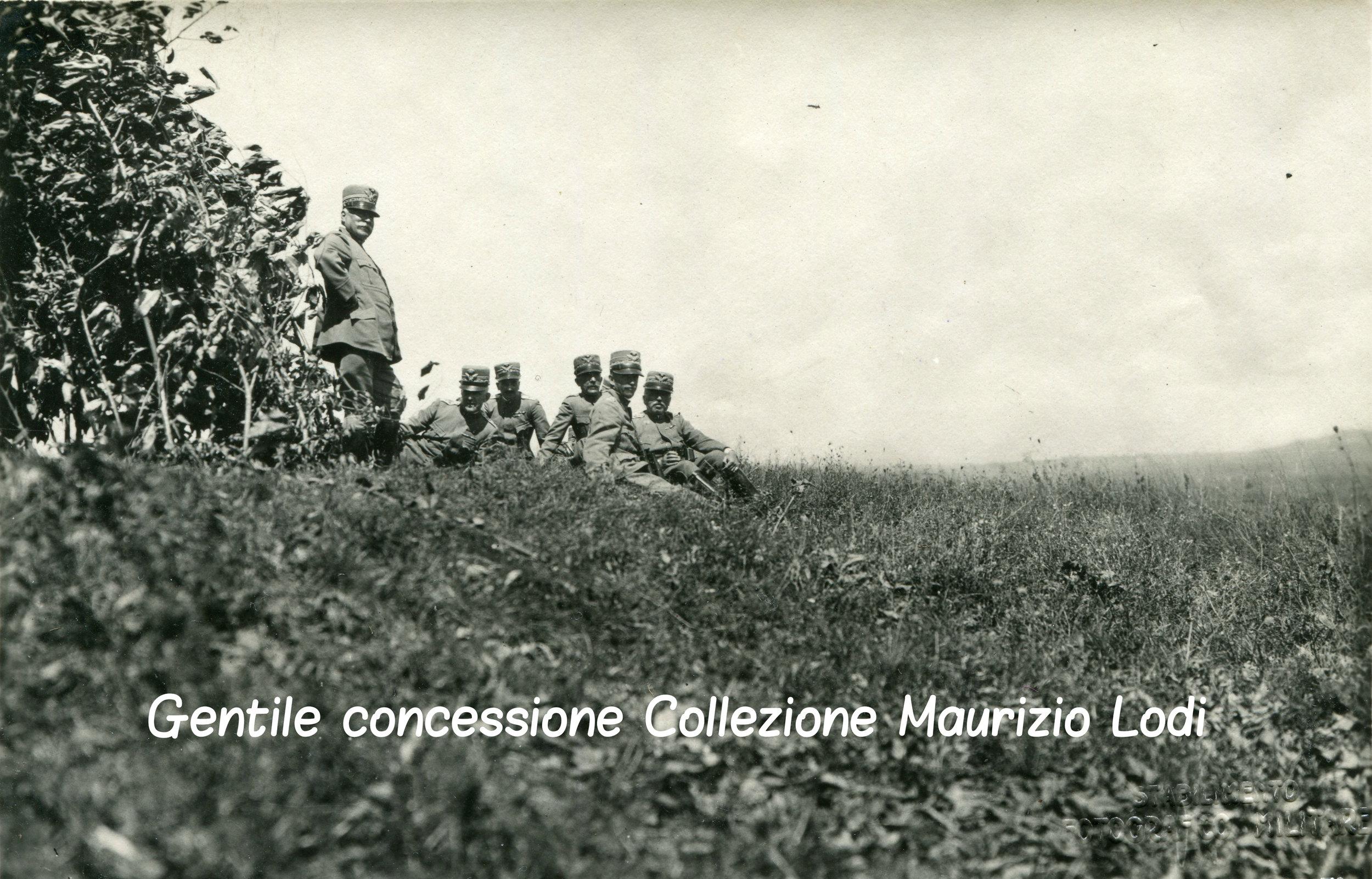 SM il Re Gen Cadorna Gen Porro Duca Aosta Gen Diaz Gen D Alessandro durante un azione (c).jpg
