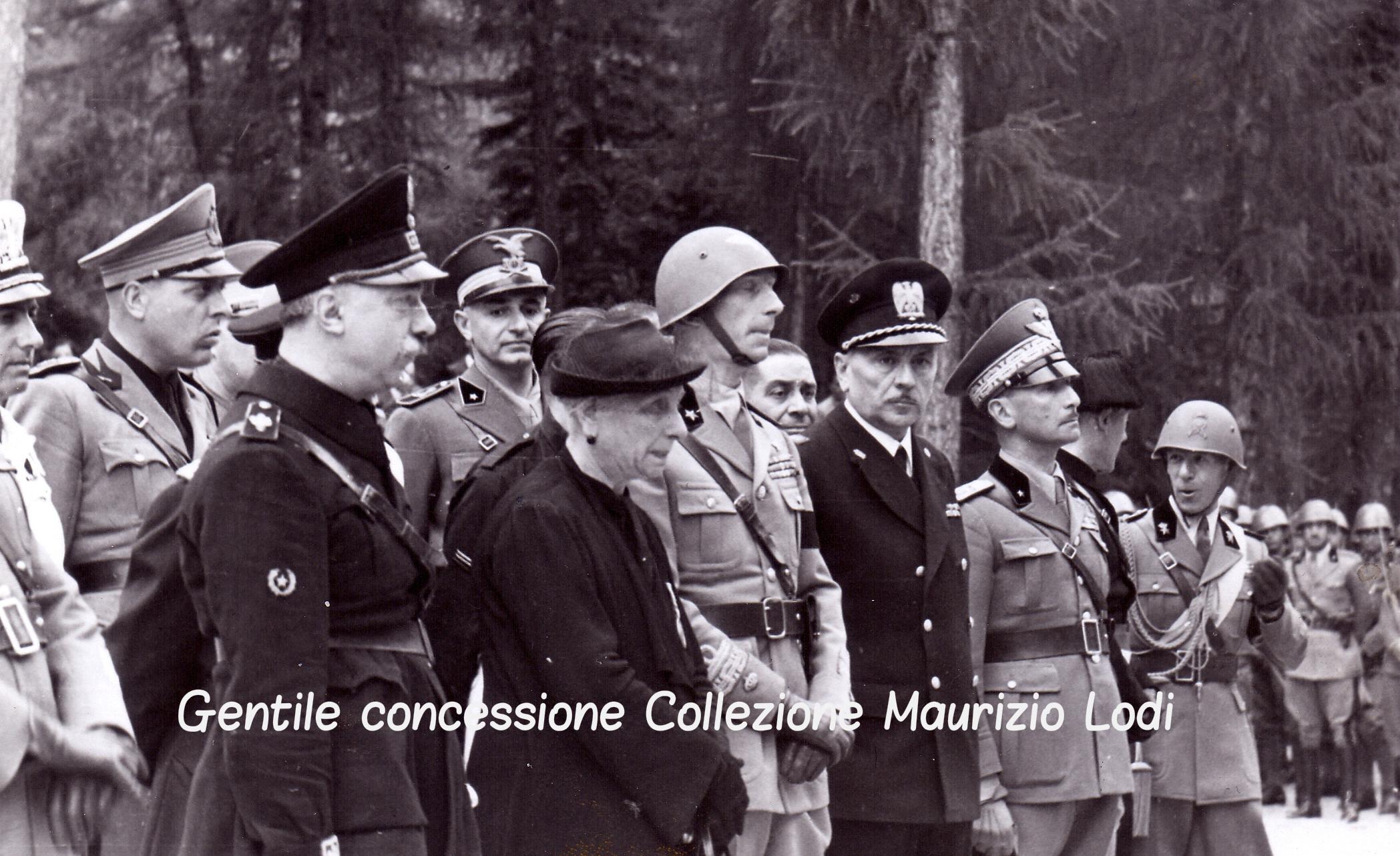 Cortina 10 08 1939 Filiberto Duca di Pistoia al Sacrario di Pocol 1 c.jpg