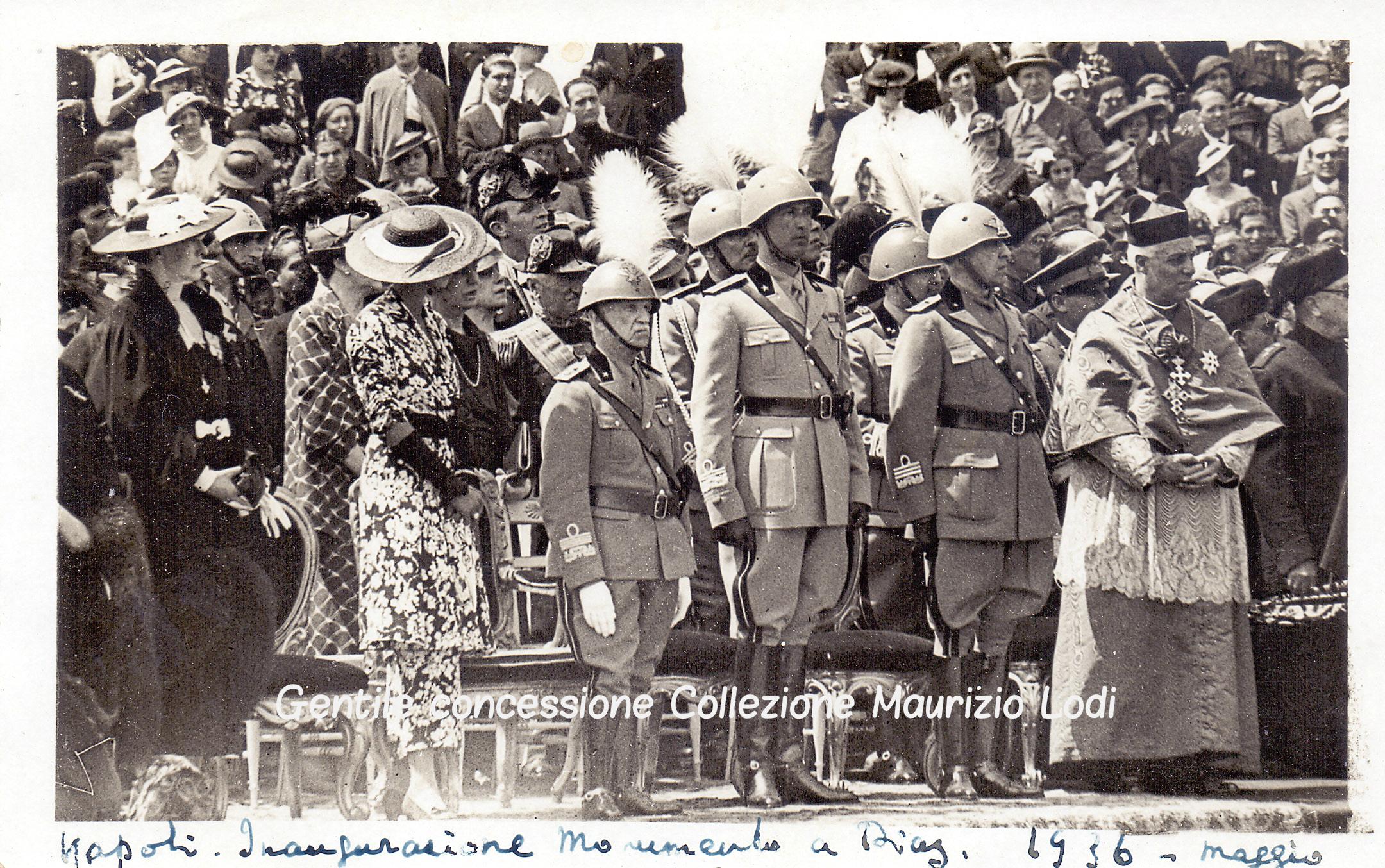 Napoli 1936 05 25 inaug mon al gen diaz con il re e i principi piemonte (c).jpg