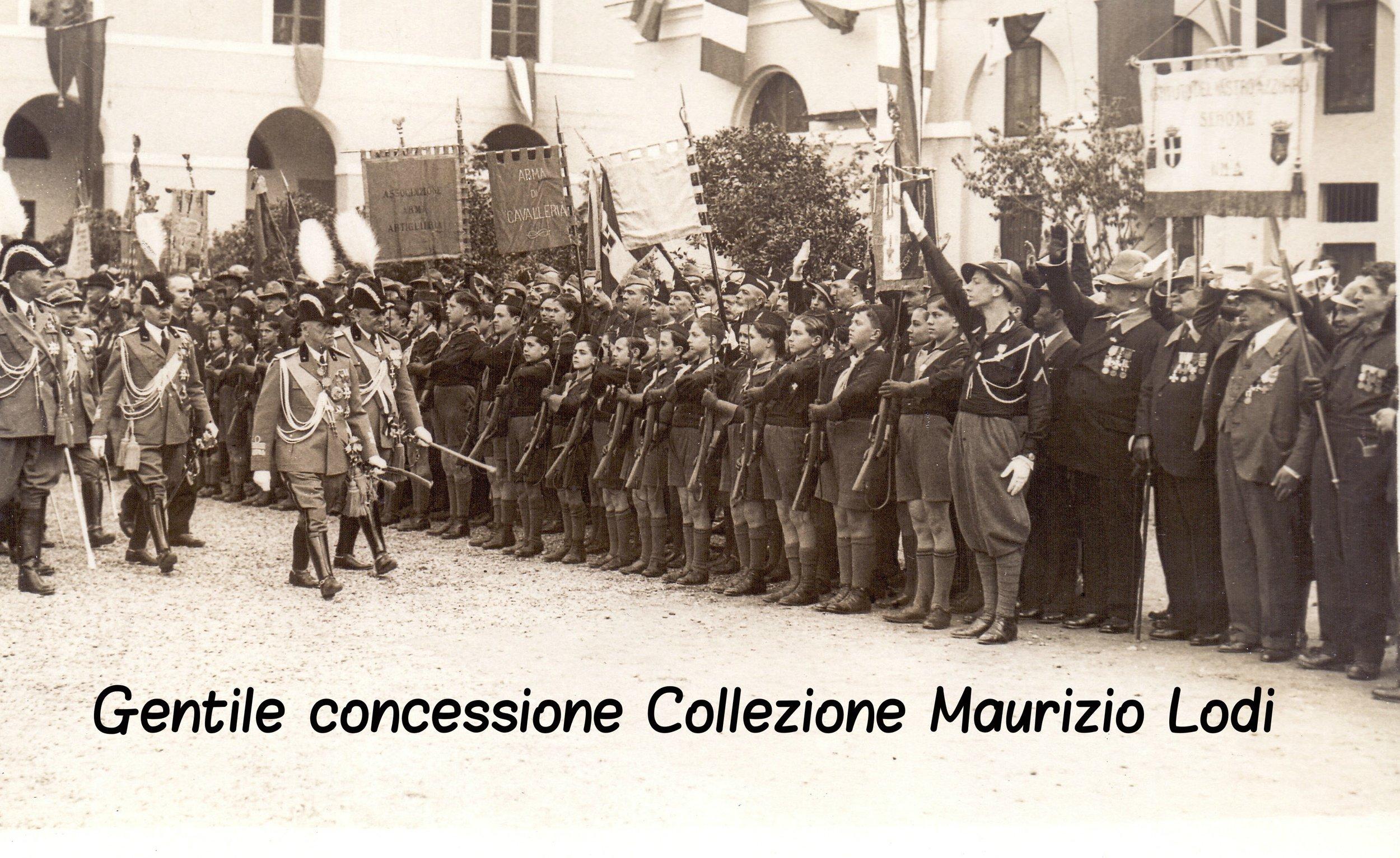 Roma 24 05 1935 il re in rassegna le ass reduci GG caserma Macao Castro Pretorio (c).jpg