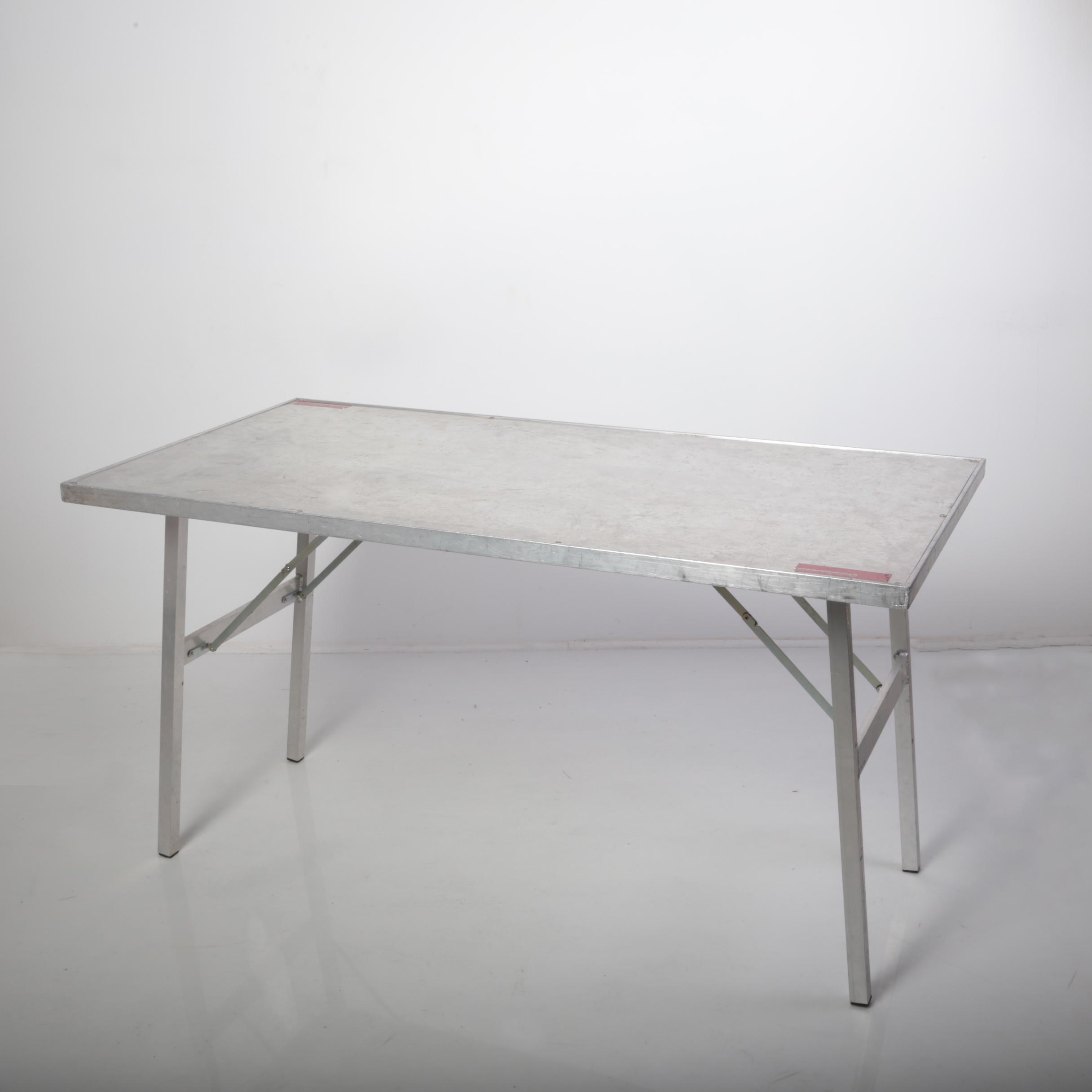tavoloalluminio .jpg