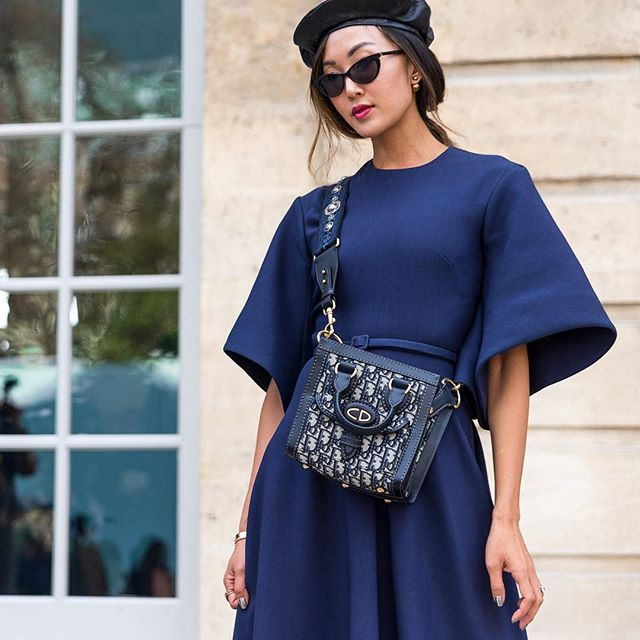 Midnight Blue @chrisellelim @dior | Tap link in bio to see our last post: Midnight blue vs Sky blue 🌃🏙👆🏼| #pfw #parisfashionweek #dior #streetstyle #streetfashion #theoutsiderblog #diegozuko