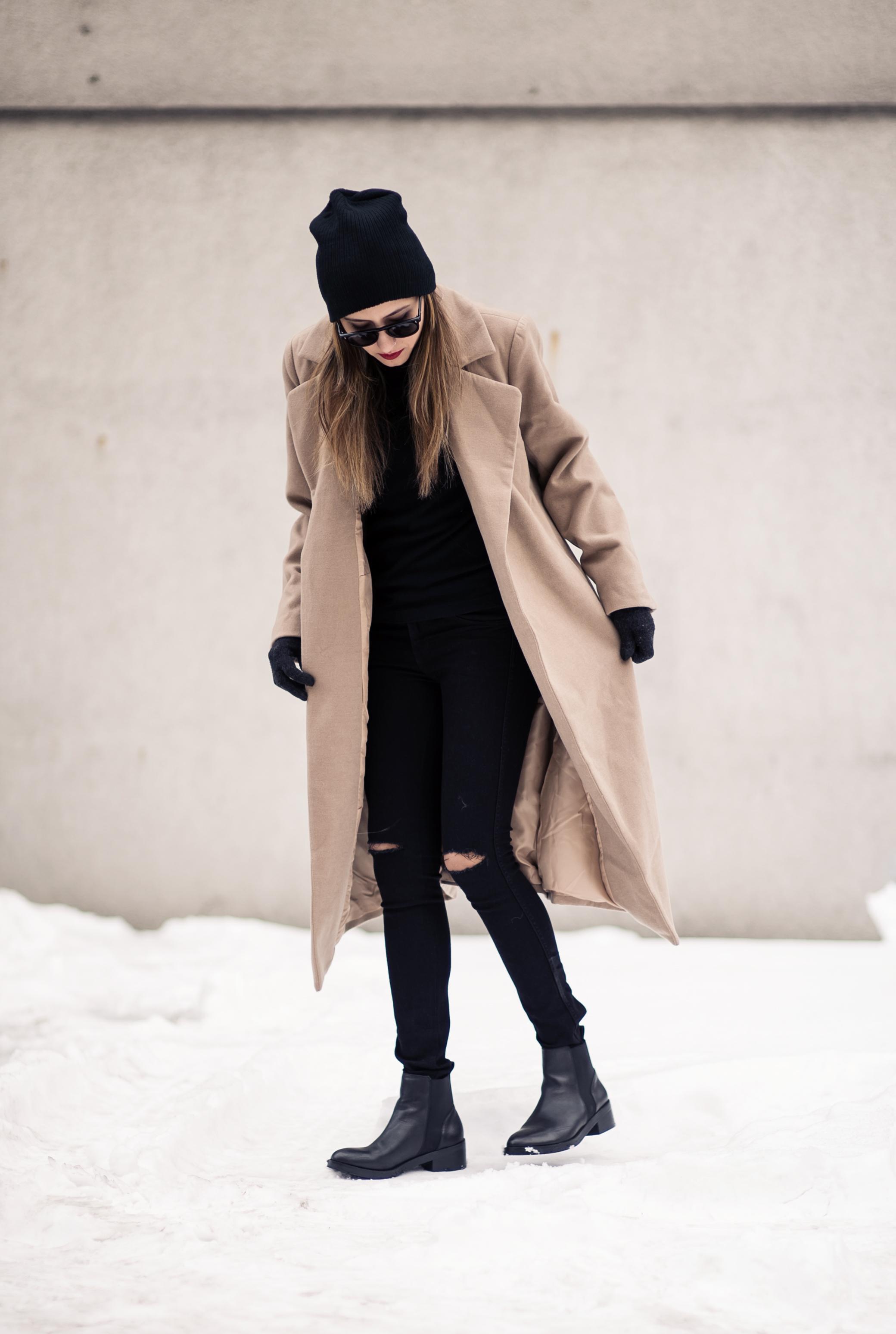 camel_coat_fashion_blogger
