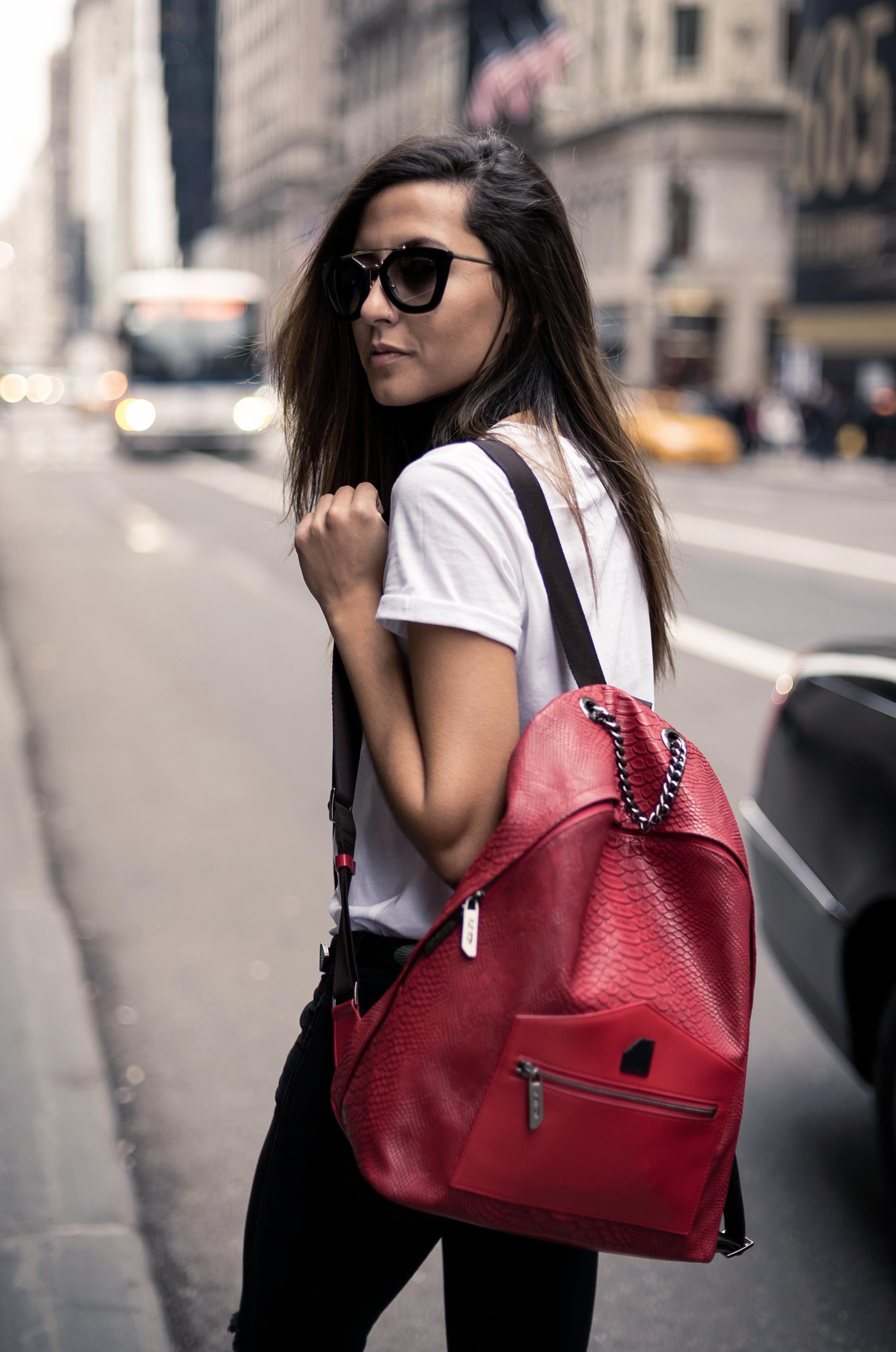 black-skinny-scarf-raquel-paiva-fashion-blogger-flat-iron-bag