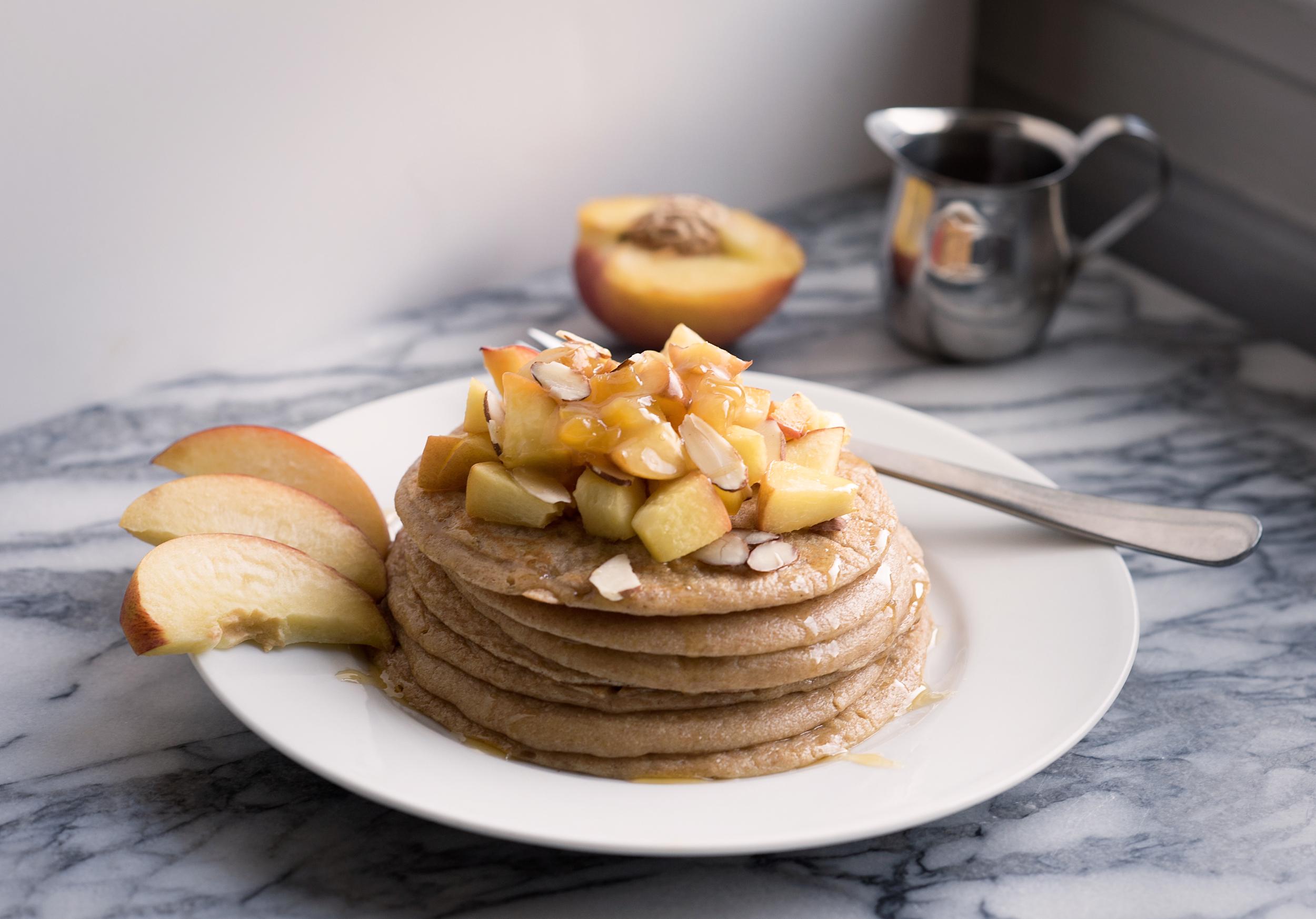 peach-pancake-healthy-made-with-whole-wheat-greek-yogurt-by-raquel-paiva