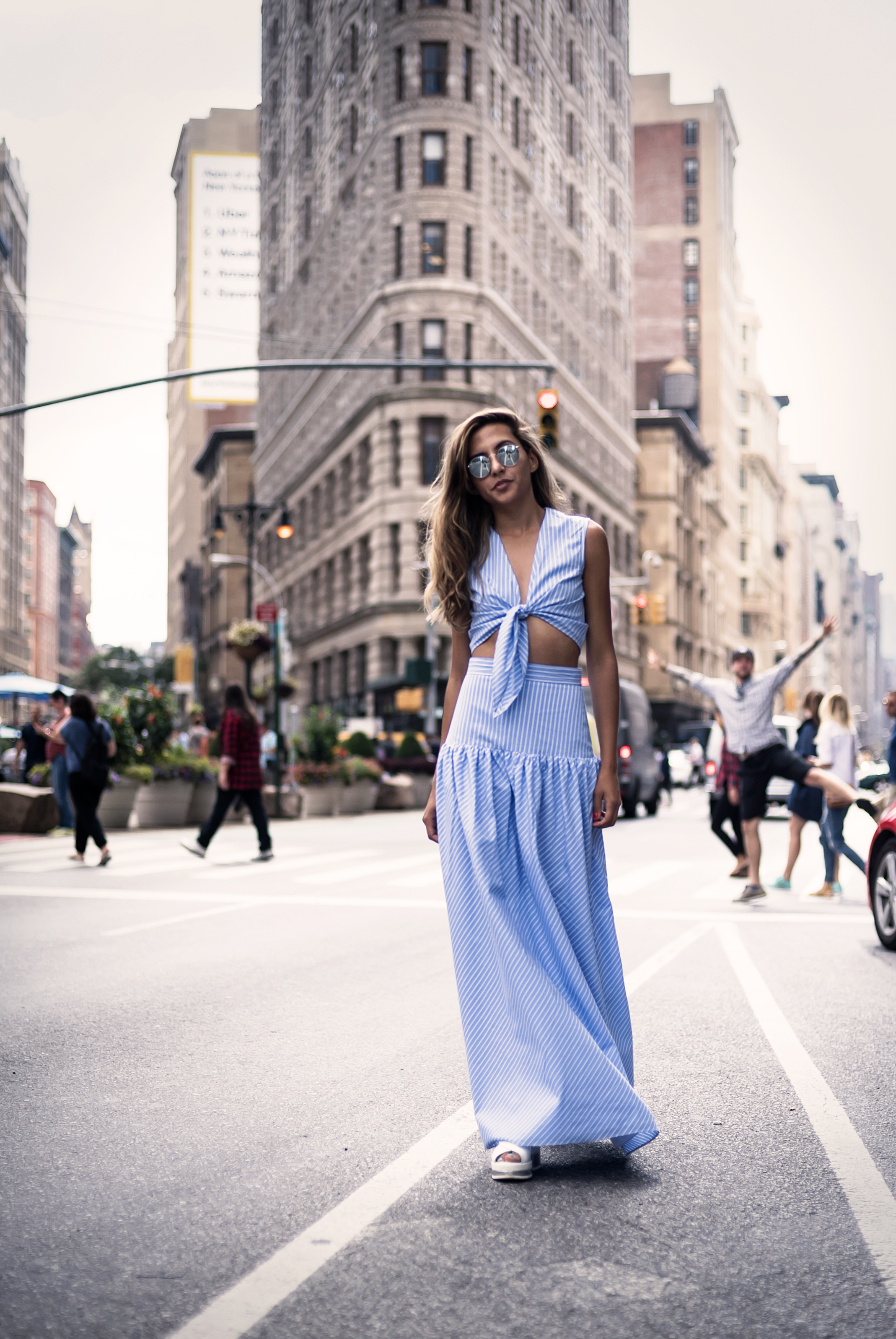 fashion_blogger_raquel_paiva_wears_fame_and_partners