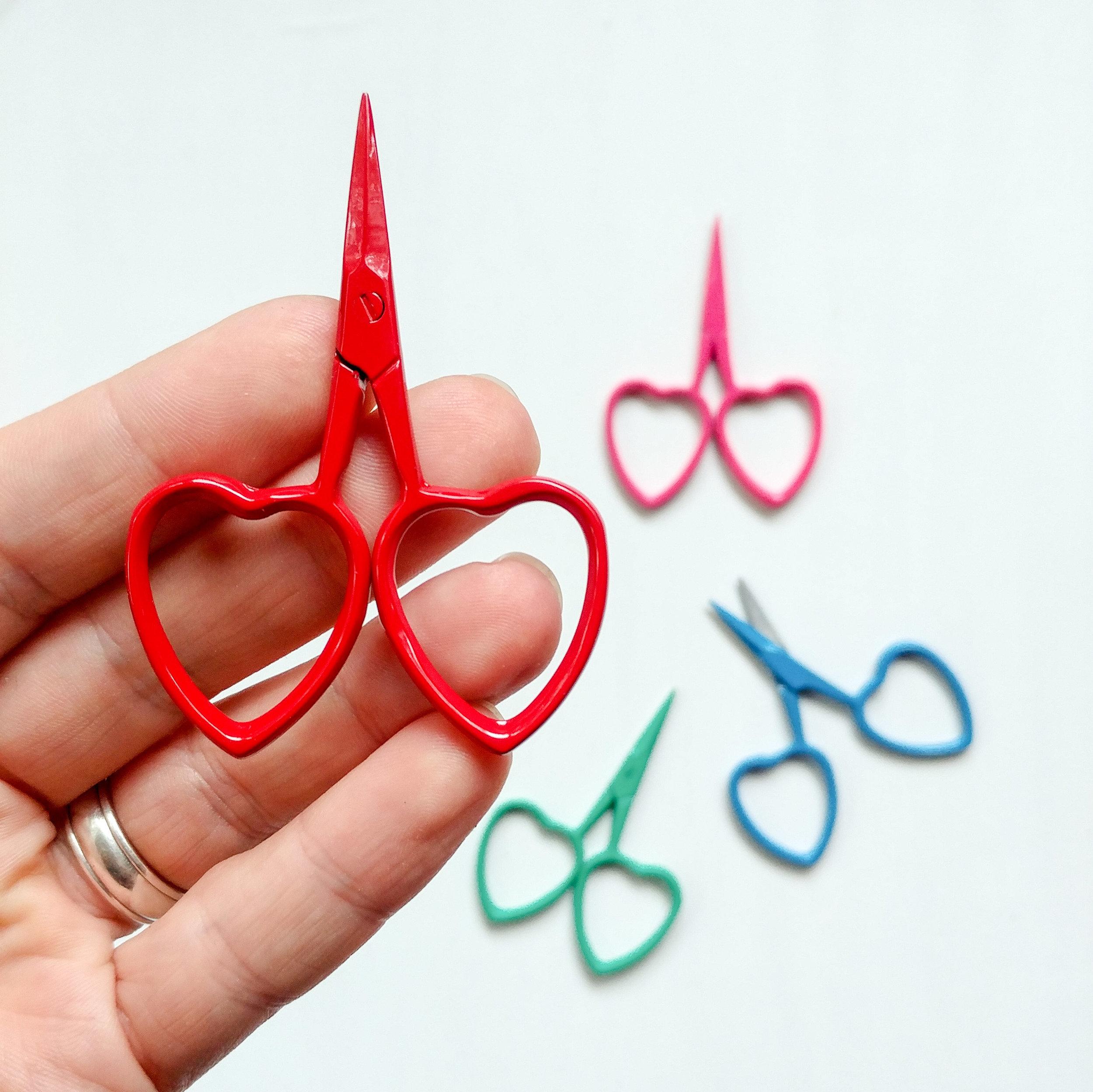 scissors_heart_2.jpg