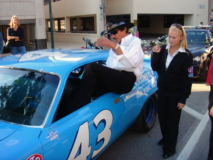 pictures richard petty 15.JPG