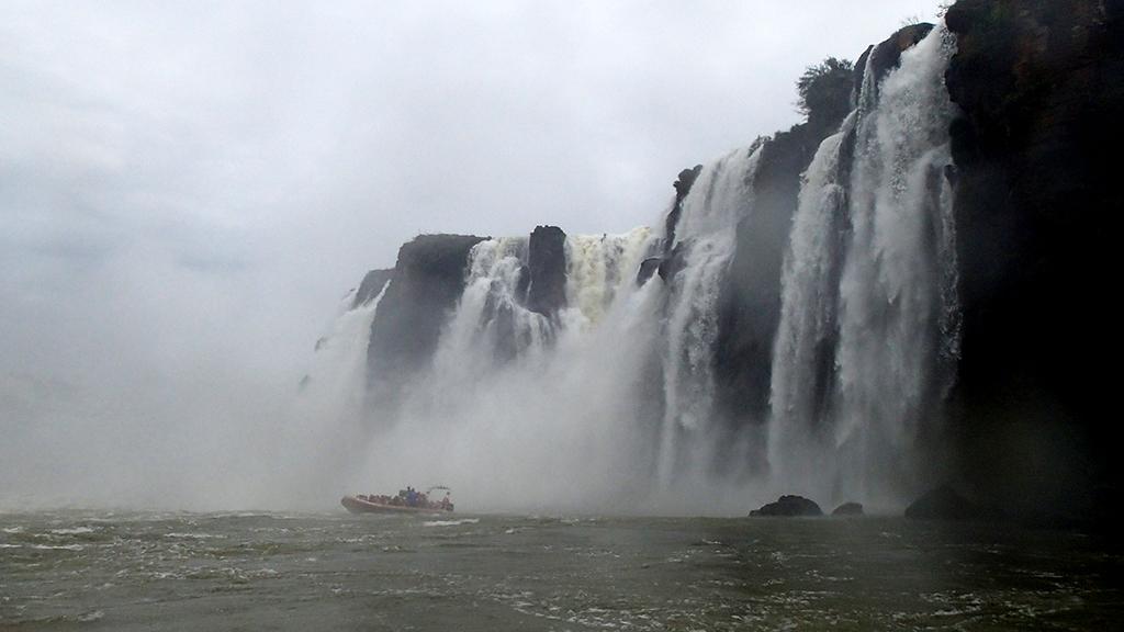 Un conjunt impressionant de vora 275 caigudes d'aigua al riu Iguaçú